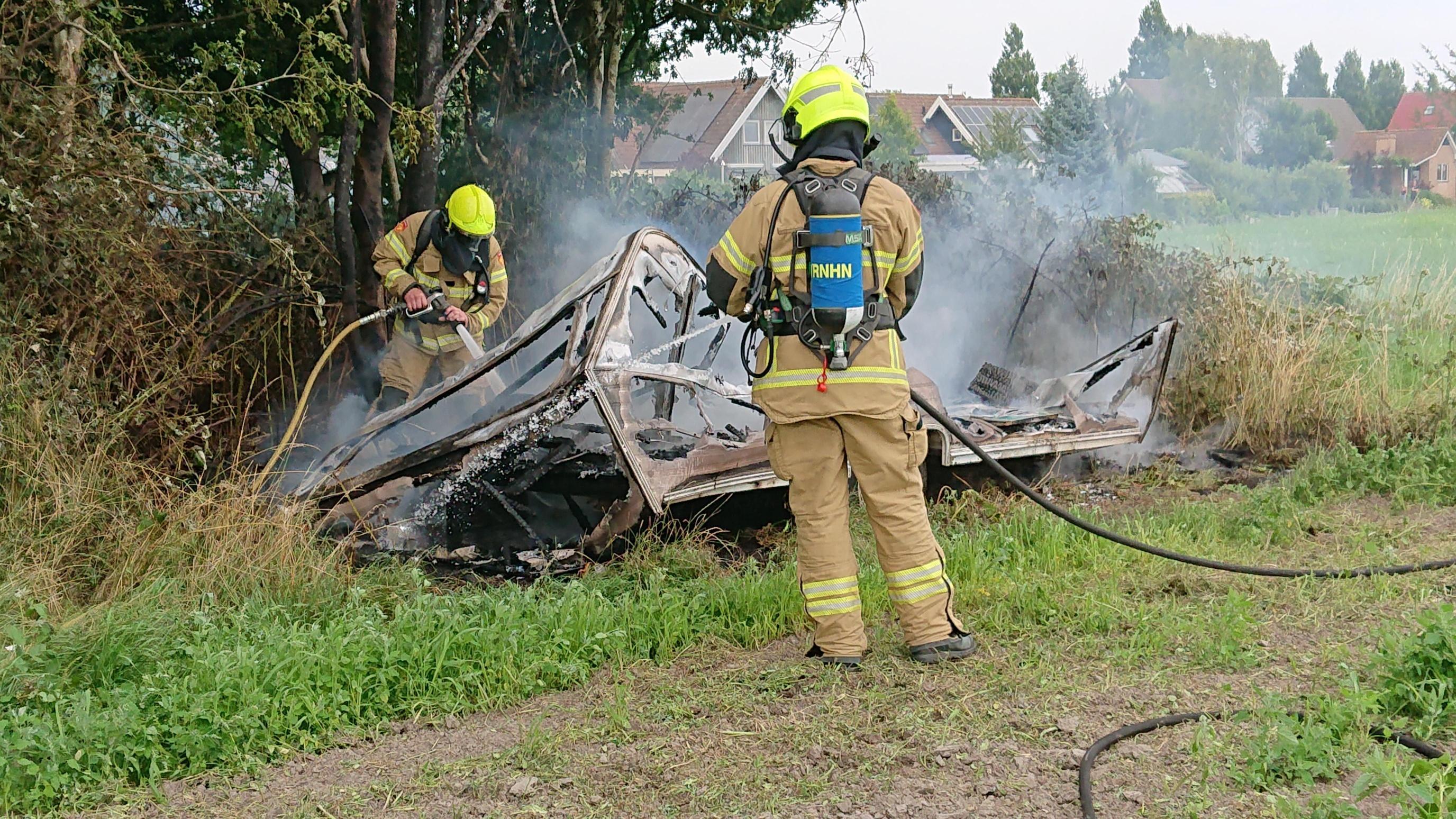 Caravan door brand in as gelegd in Venhuizen, politie vermoedt brandstichting