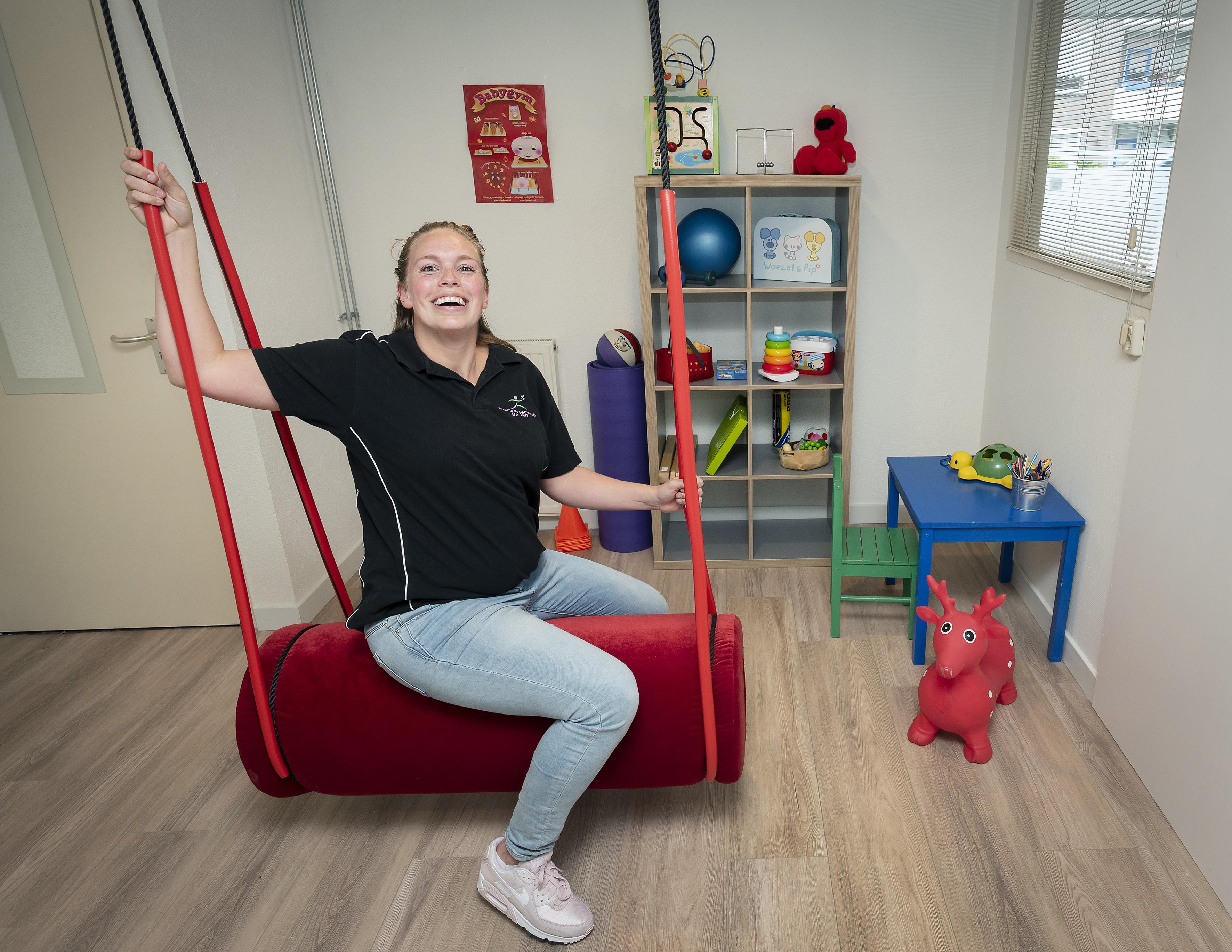 Vroegtijdig problemen herkennen bij kinderen. 'Het liefste ga ik naar buiten met ze om lekker te sporten', zegt Brenda Teeuwen van praktijk voor kinderfysiotherapie
