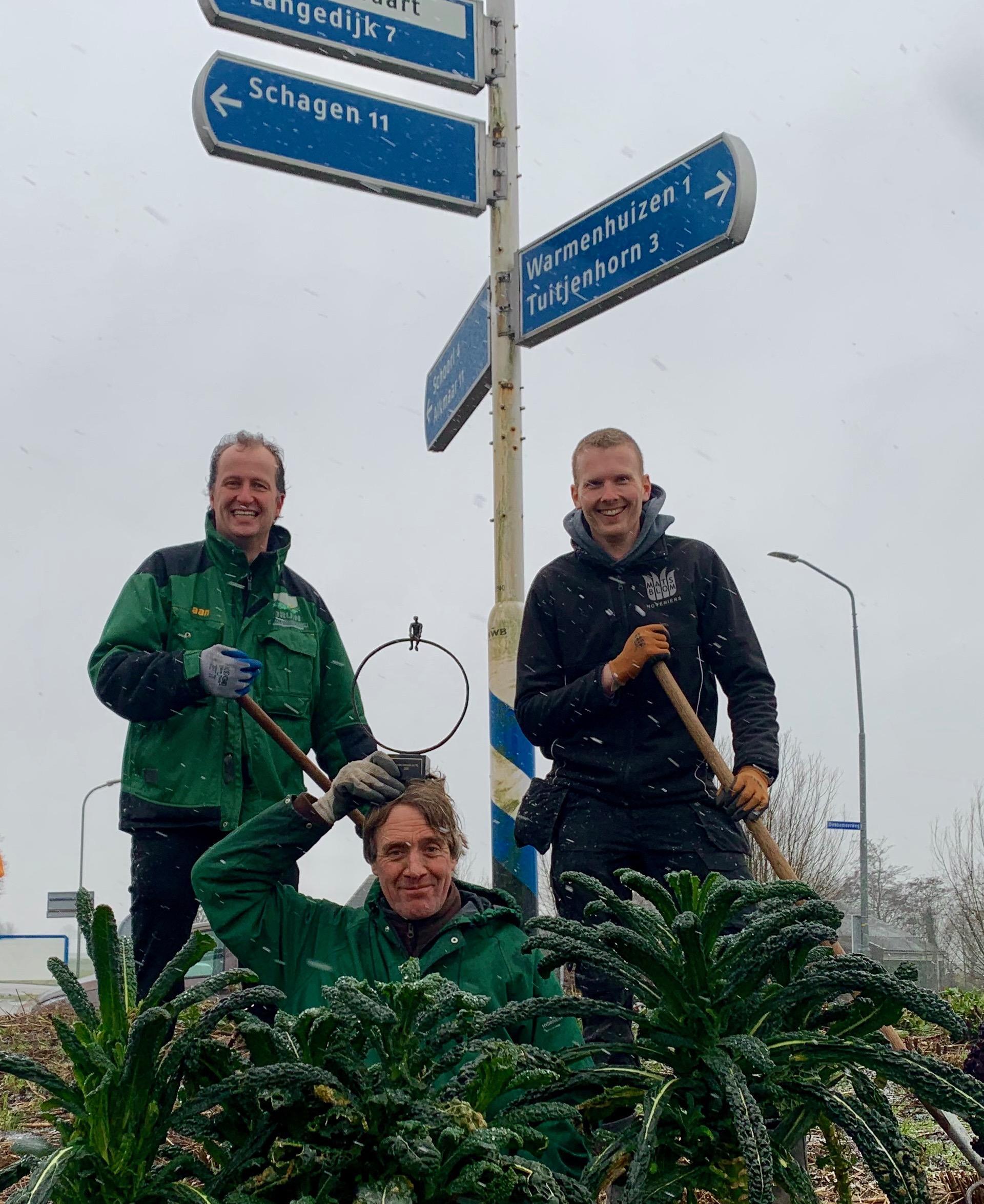 De Toverbal in Warmenhuizen goed voor landelijke prijs; 'De mooiste rotonde van Nederland. Wie heb 't? Nou, wij dus!', zegt de winnende hovenier Ruud Vermeer [update]