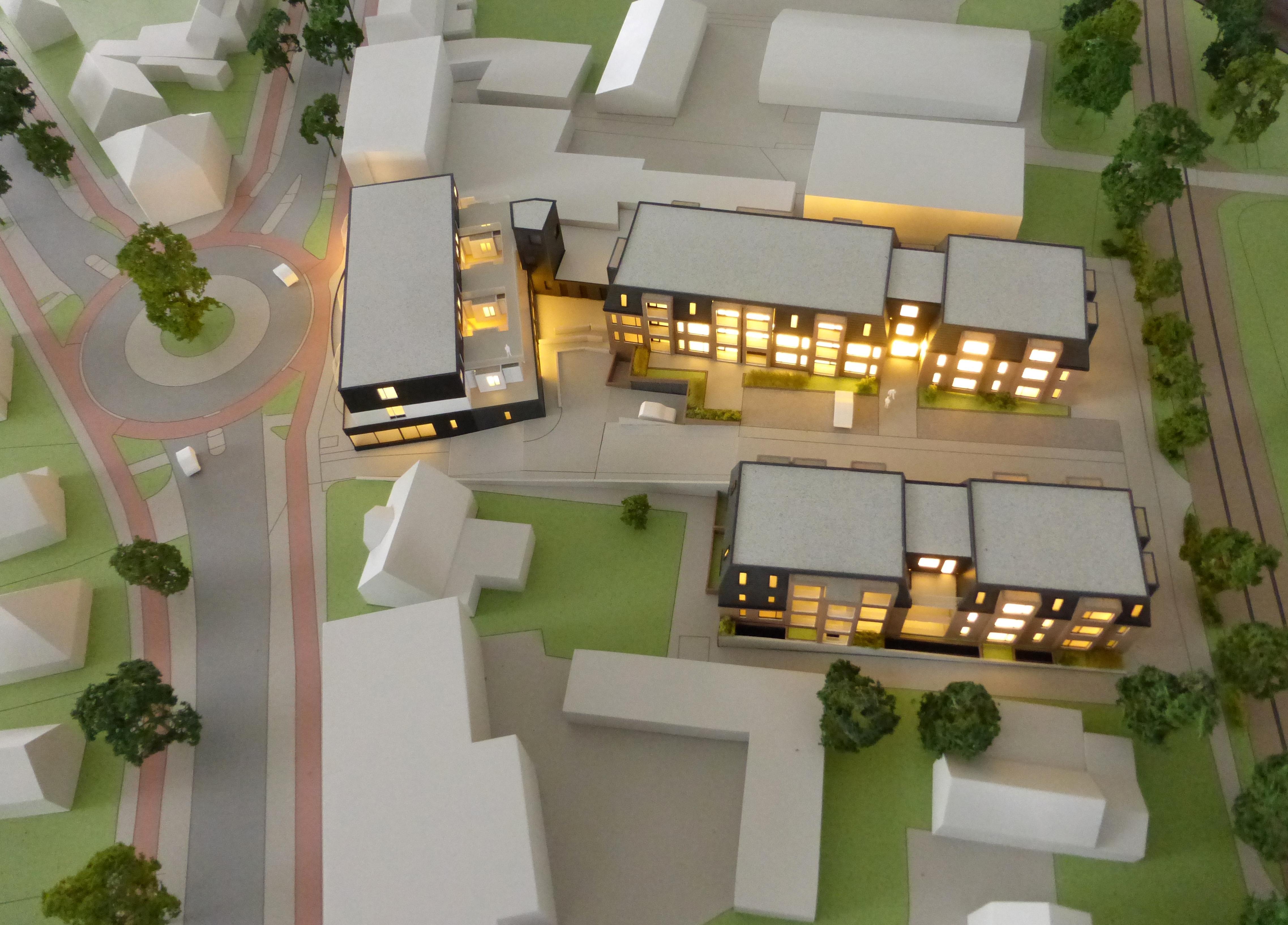Er rust geen zegen op Soester bouw 45 flats Phylomena Staete; 'Aangekondigde huizenprijzen kunnen in de prullenbak' door stijging aannemerskosten