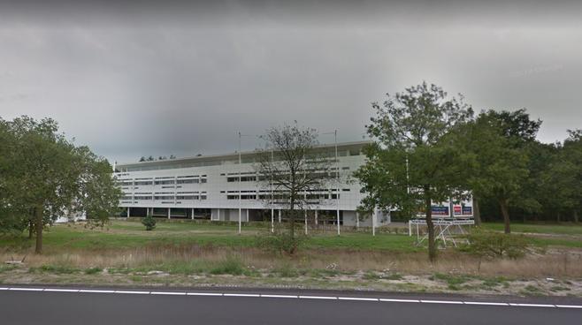 Onderzoek naar ontsluitingsweg voor tijdelijk politiebureau aan Bonairelaan in Hilversum, om overlast van gillende sirenes te voorkomen