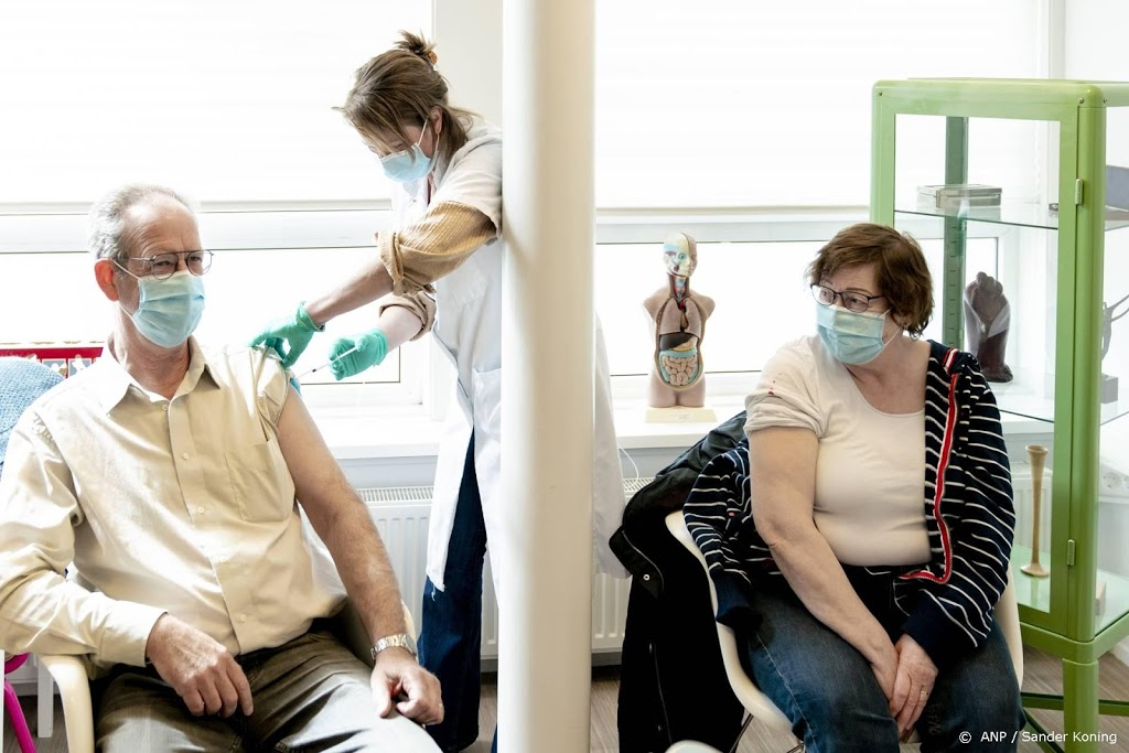 Overgebleven vaccins naar ziekenhuis- en teststraatmedewerkers