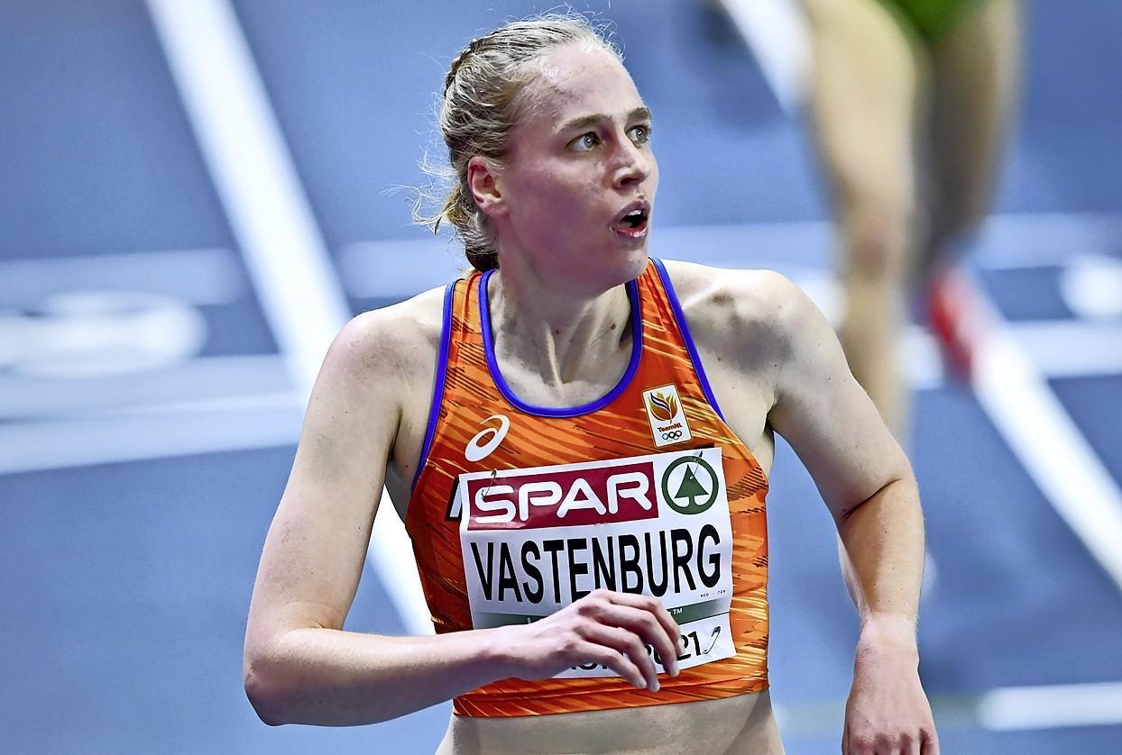 Teleurstelling over diskwalificatie is groot, maar Jip Vastenburg houdt toch vooral goed gevoel over aan het EK indoor: 'Dit geeft enorm veel vertrouwen. En er komen nog mooie wedstrijden aan'