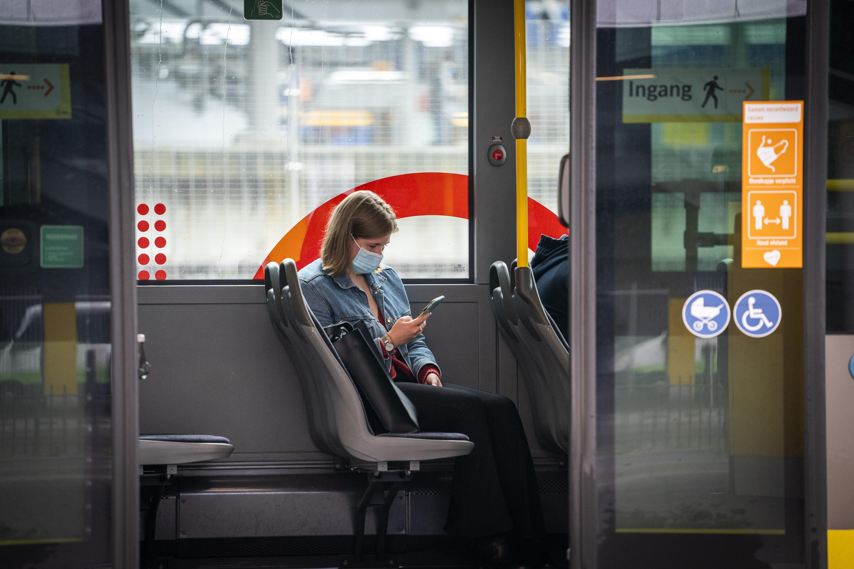 Onderzoek van het Kennisinstituut voor Mobiliteitsbeleid: openbaar vervoer blijft na de crisis minder populair