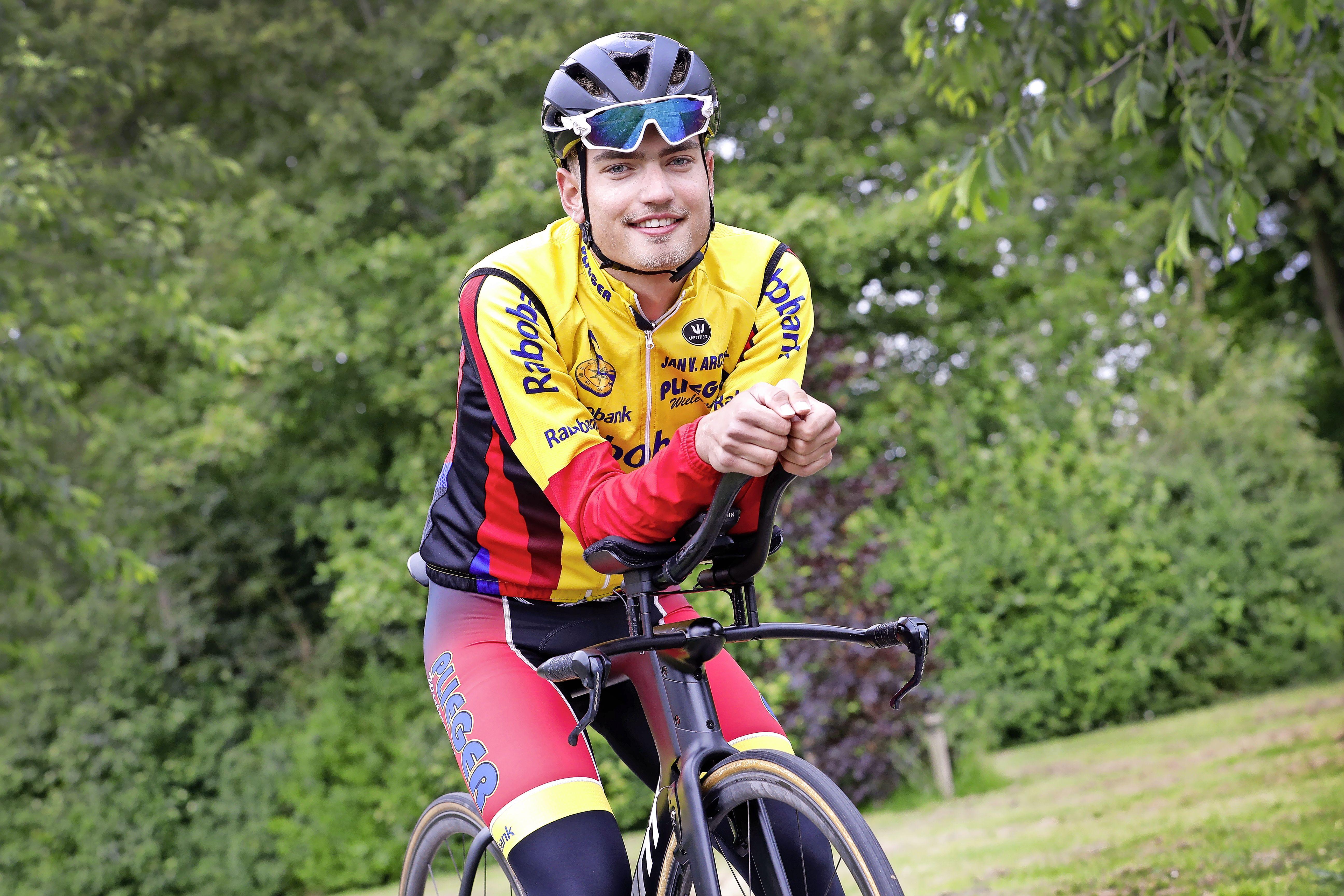 Yanne Dorenbos was bijna gestopt met wielrennen. Maar de Castricummer zette de pijn om in plezier en fietst weer bij het NK tijdrijden