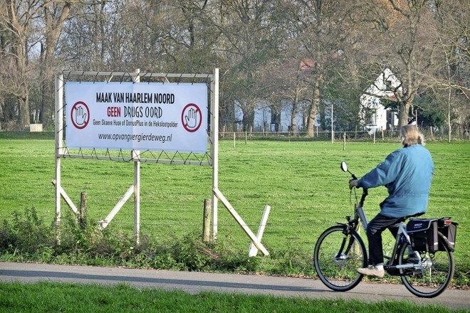 Volg live: demonstratie en gemeenteraad over 'asowoningen' en daklozenopvang in Haarlem