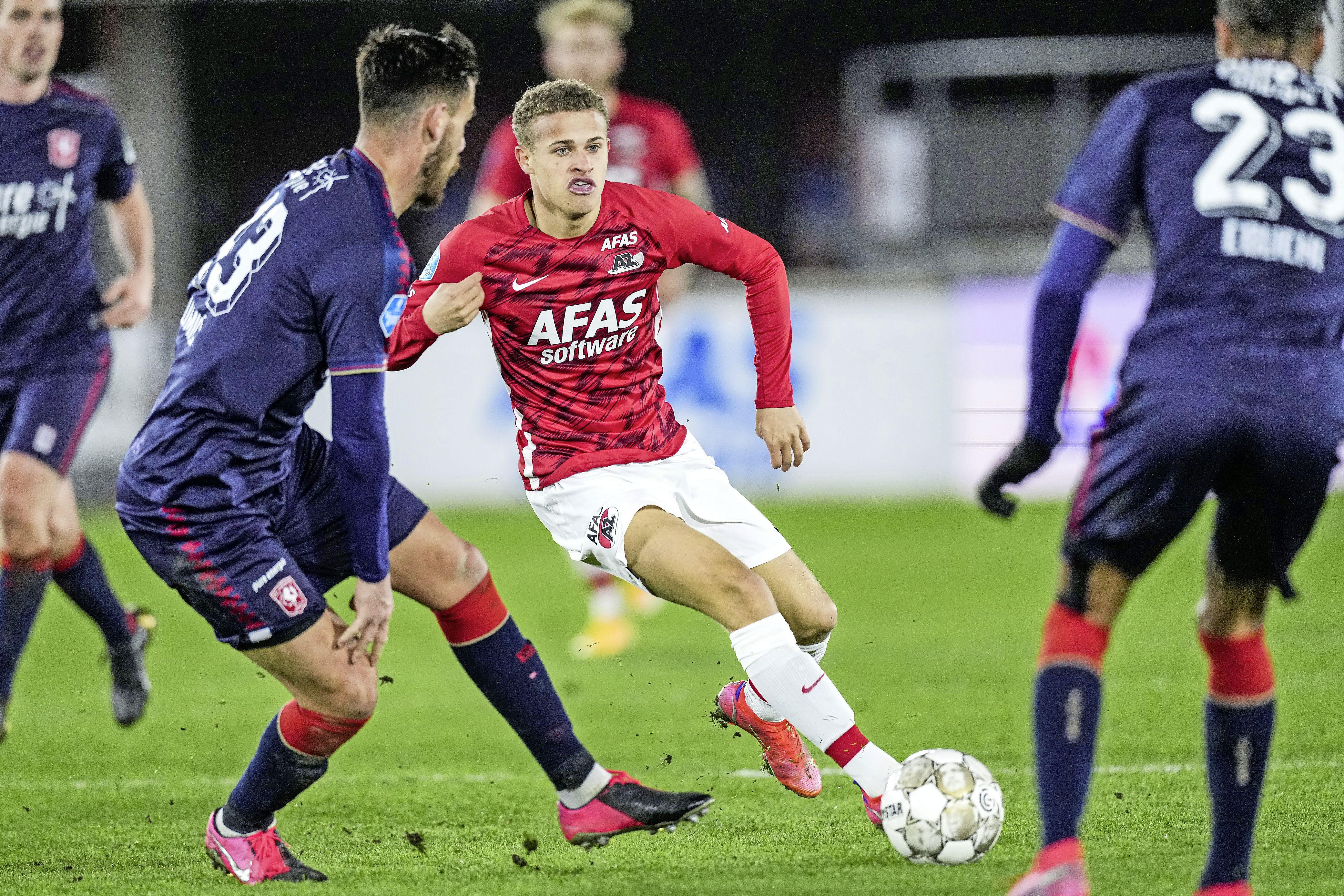Jong AZ stuurt Jong Ajax met lege handen terug naar huis; winnende doelpunt Kenzo Goudmijn [video]