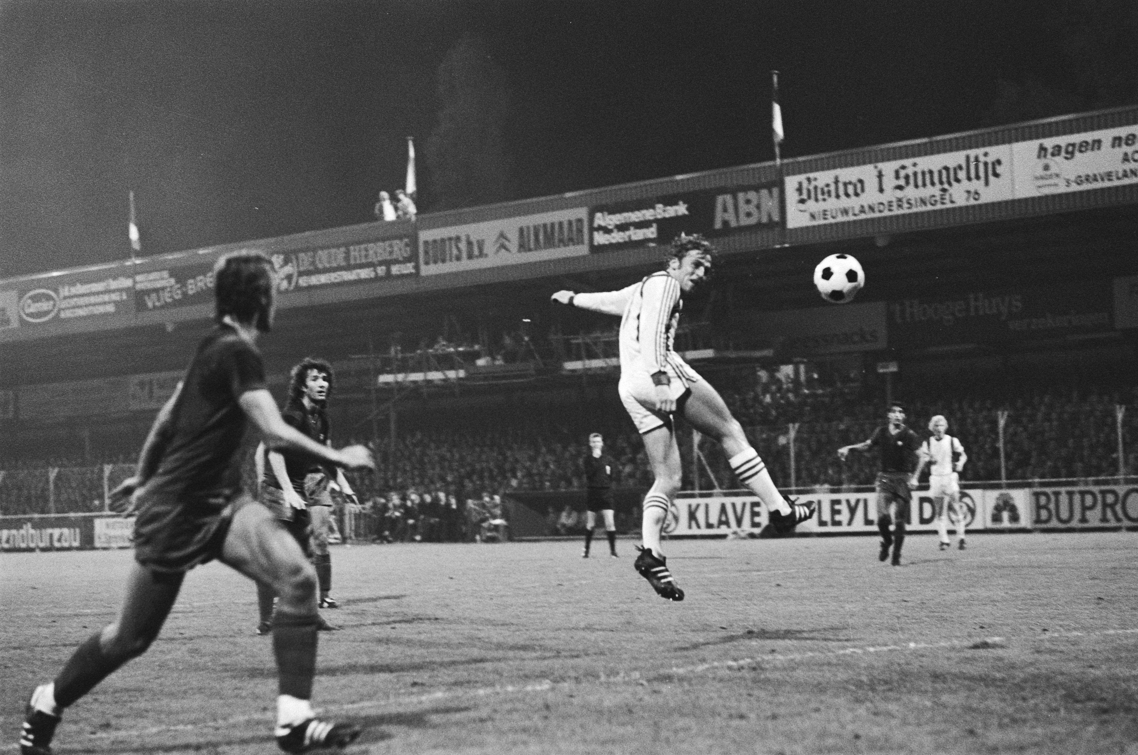 Op deze dag in 1977 vochten Willem van Hanegem en Johan Neeskens een heroïsch gevecht uit in De Hout, de laatste juichte het laatst