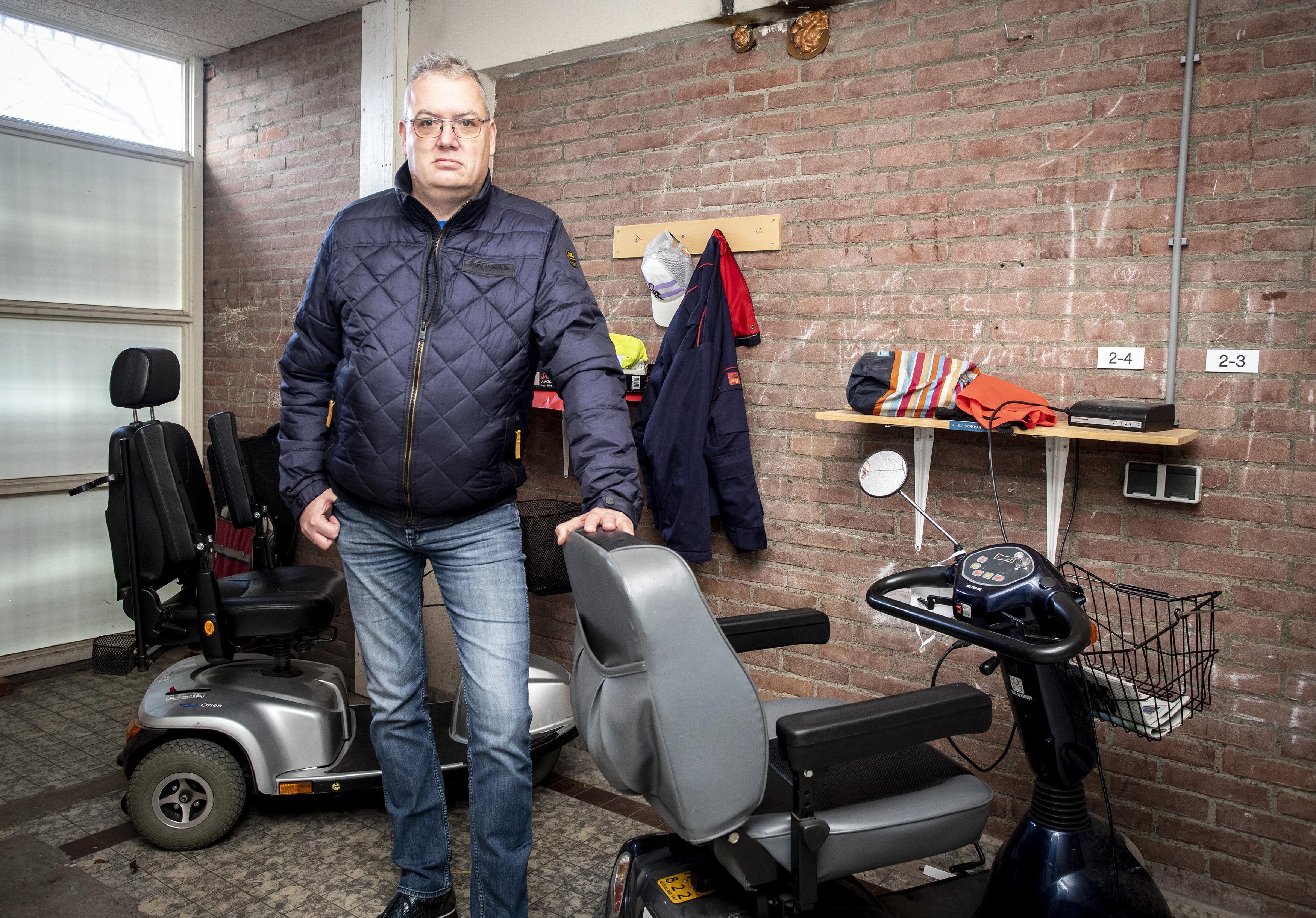 Diefstal accu's scootmobielen in Haarlem-Schalkwijk. 'Gedupeerde ouderen gedwongen achter de geraniums te gaan zitten'