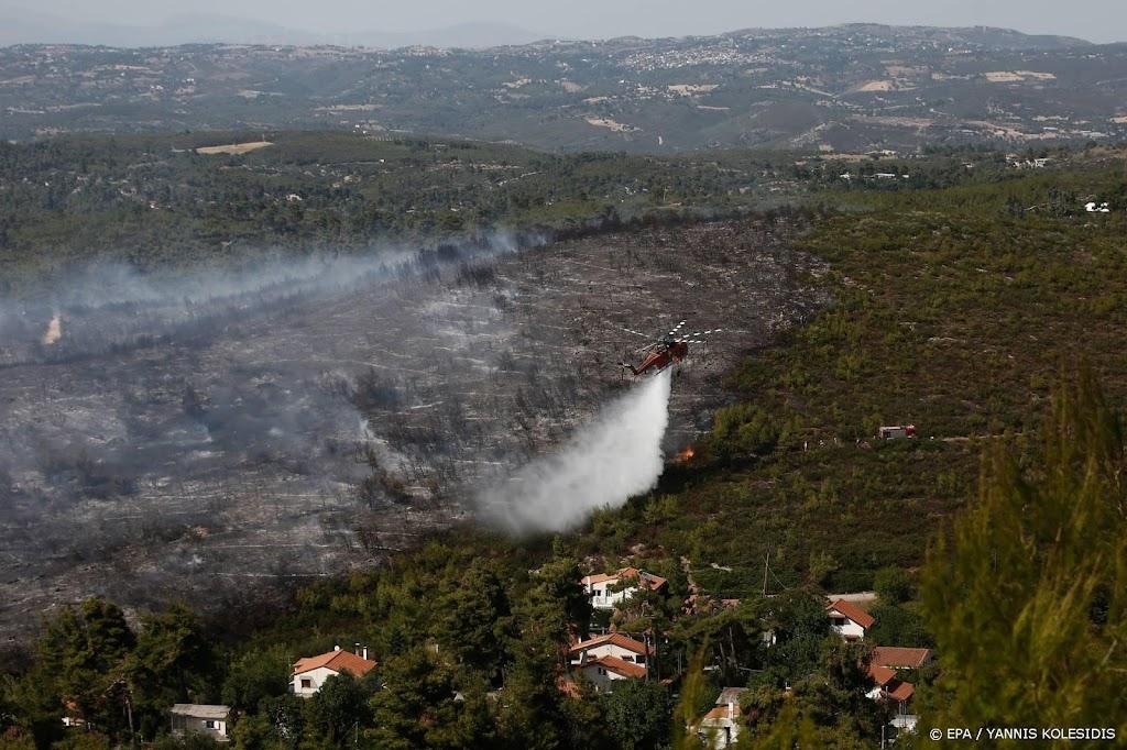 Hitte en branden in Griekenland houden aan, meer gewonden gemeld