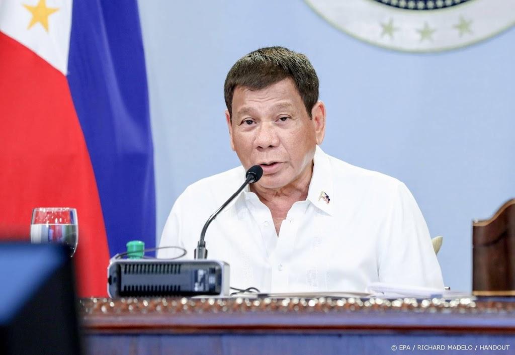Duterte dreigt met celstraffen voor 'domme' vaccinweigeraars