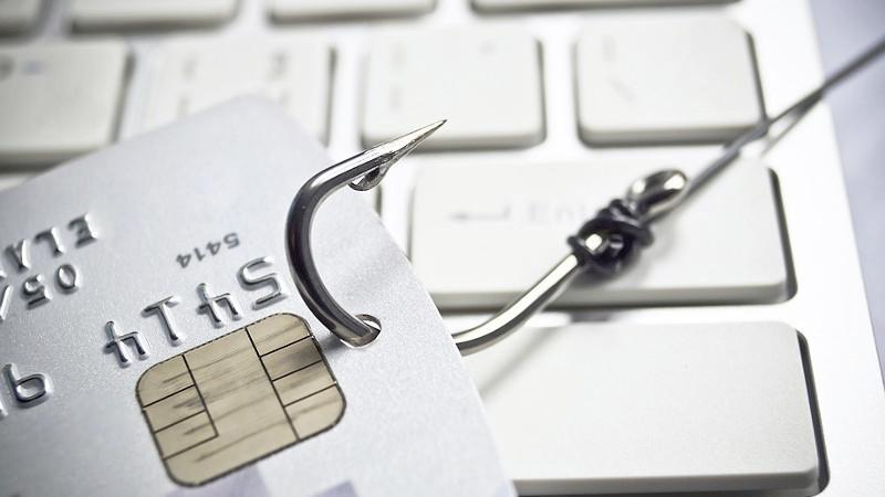 Man aangehouden in Nieuw-Vennep in phishingonderzoek, verdacht van oplichting voor meer dan 40.000 euro