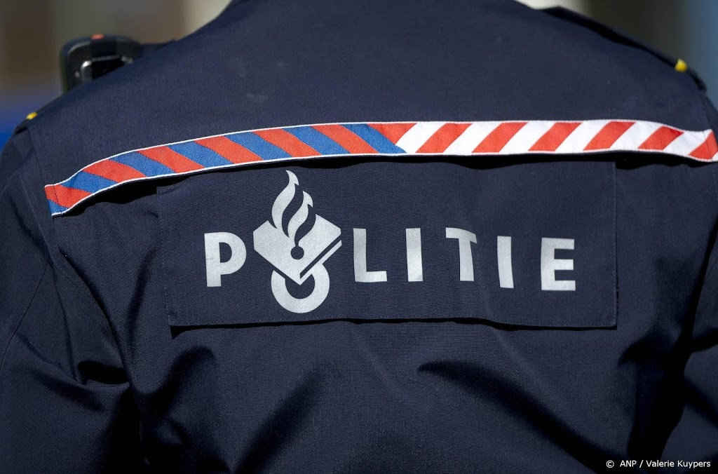 Vijf Rotterdamse agenten berispt vanwege racisme in appgroep