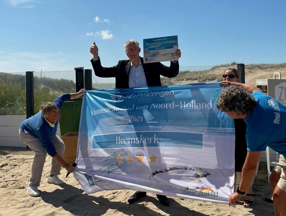 Strand Heemskerk schoonste van Noord-Holland, wel jammer van de peuken