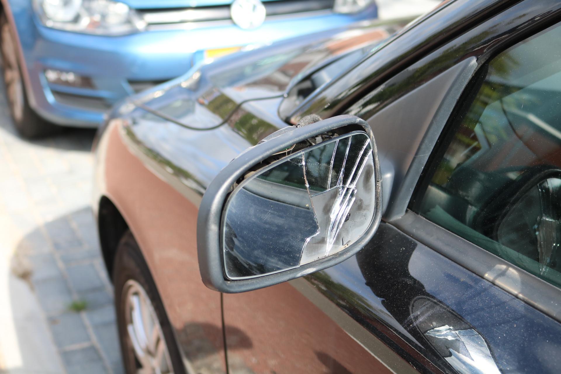 Vandalen slopen meerdere autospiegels tijdens feestweek in Voorhout
