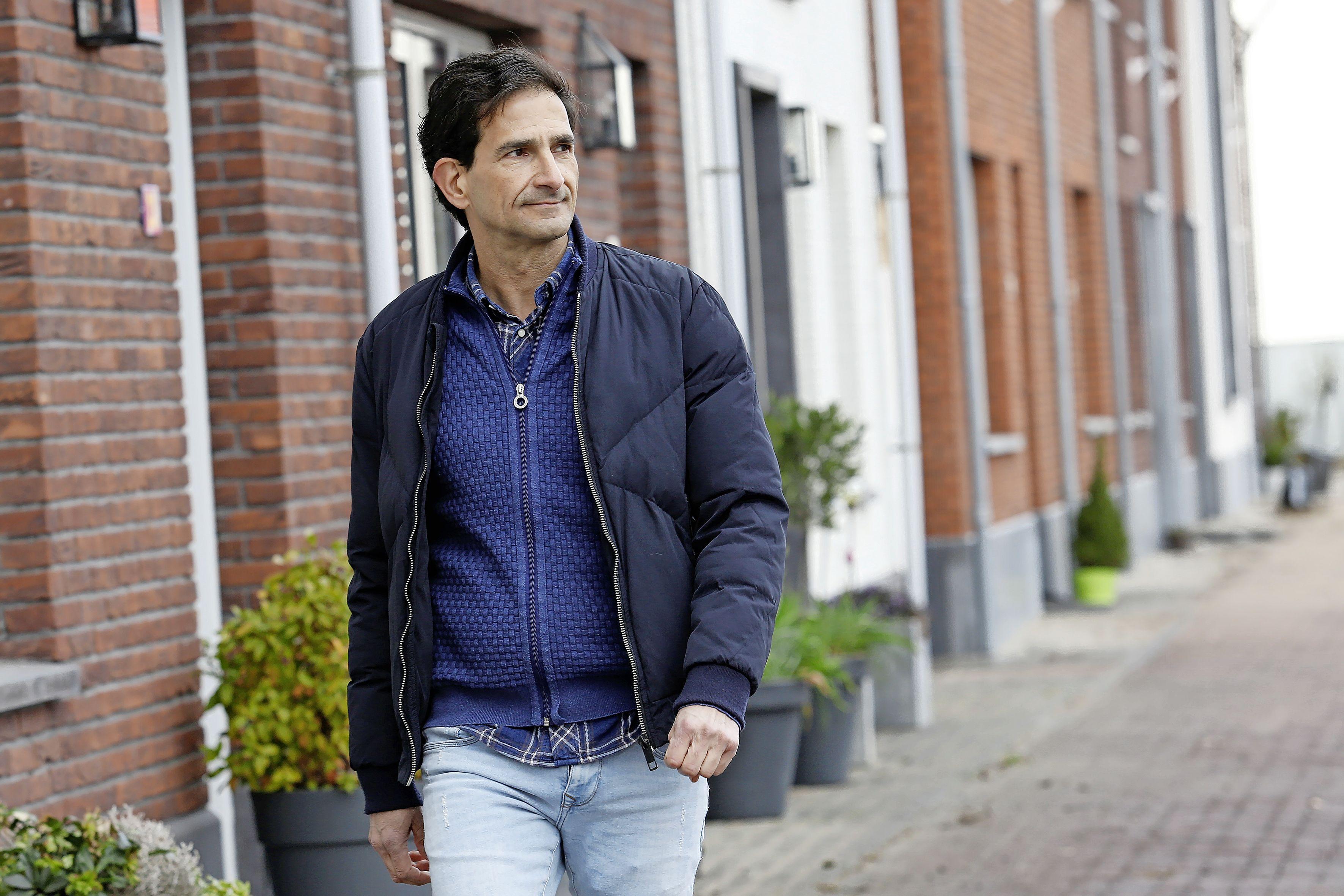 '500 euro, of je ziet je kleinkinderen niet meer.' Wethouder Maarten Hoelscher van Huizen vertelt over 'traan trekkende dossiers' die hij tegenkomt in de strijd tegen huiselijk geweld, ouderen-, partner- en kindermishandeling