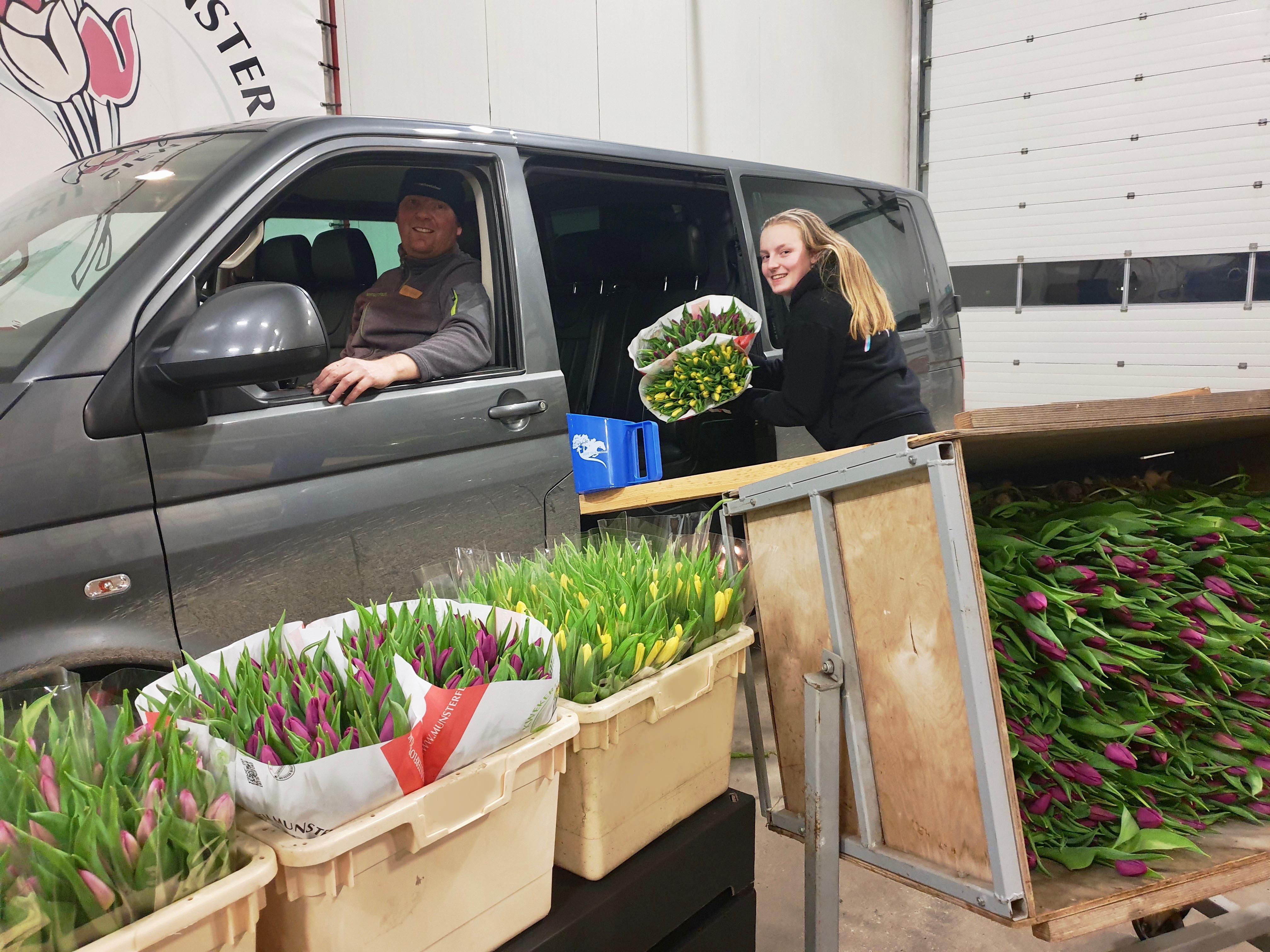 In Slootdorp vieren ze de Nationale Tulpendag met een Tulpen Drive Thru