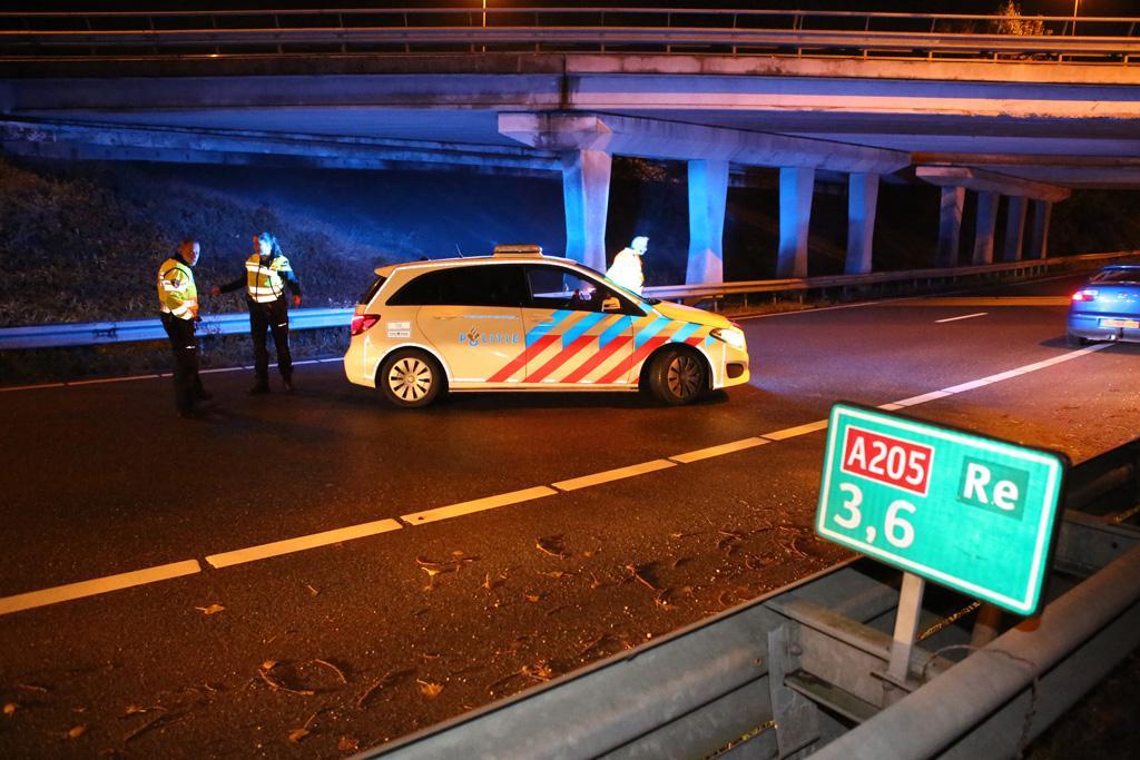 Vrouw gewond bij ongeluk met auto op N205 bij Vijfhuizen