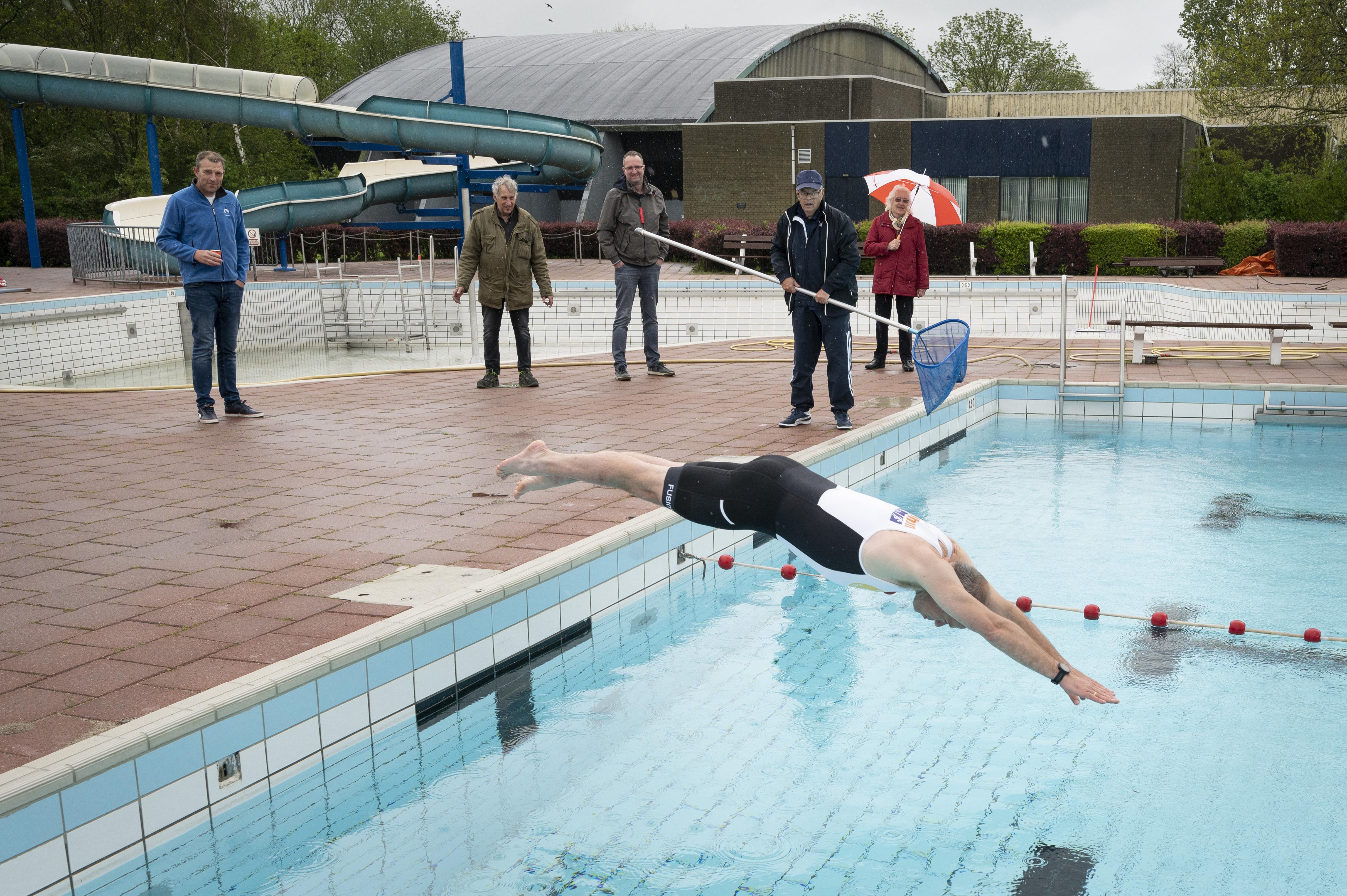 Zwembaden in Koudekerk en Hazerswoude-Dorp krijgen tezamen 1,3 miljoen euro voor duurzame renovaties