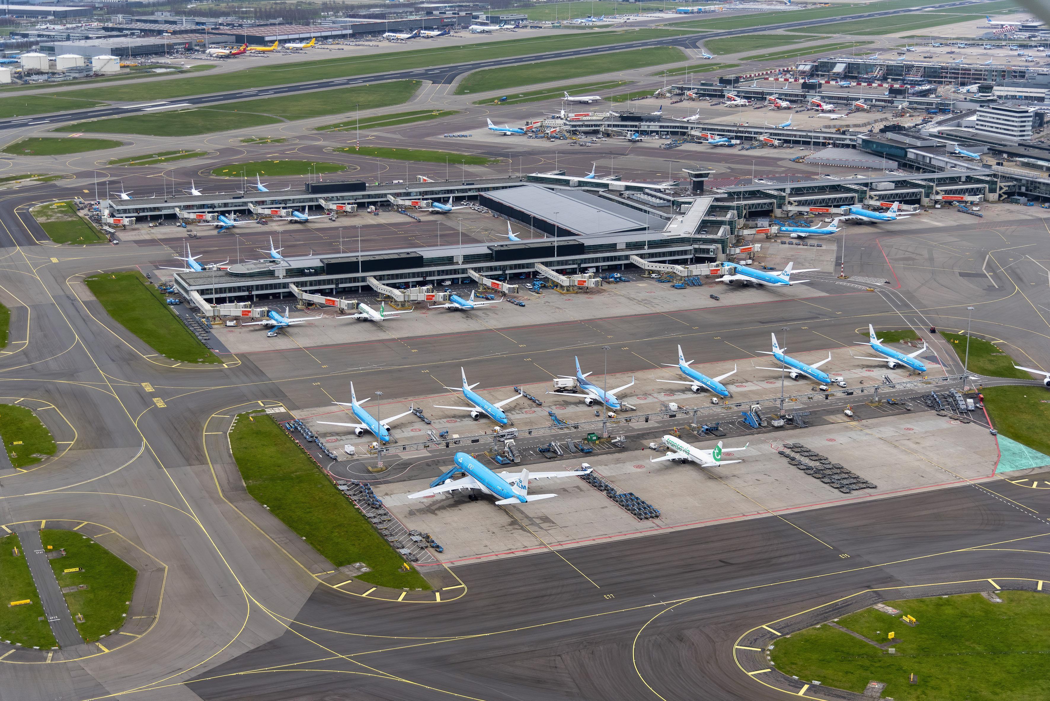 Willen IJmonders minder stedentrips en reisjes maken om 's nachts hinder van vliegverkeer terug te dringen? Doe mee met de stelling