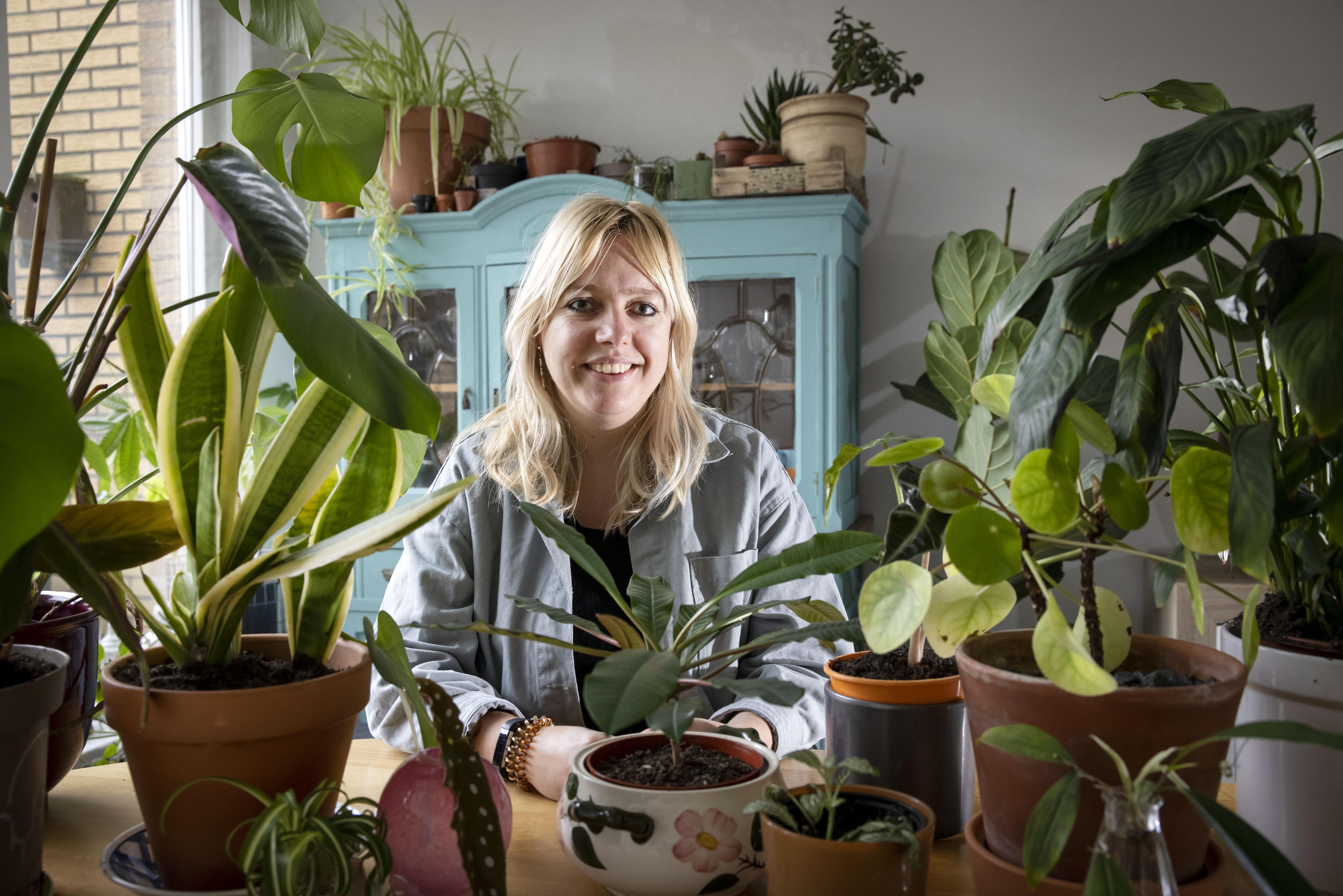 Mirthe Stoop van Plantenasiel Castricum: 'Hoe zieliger het plantje, des te leuker het project'