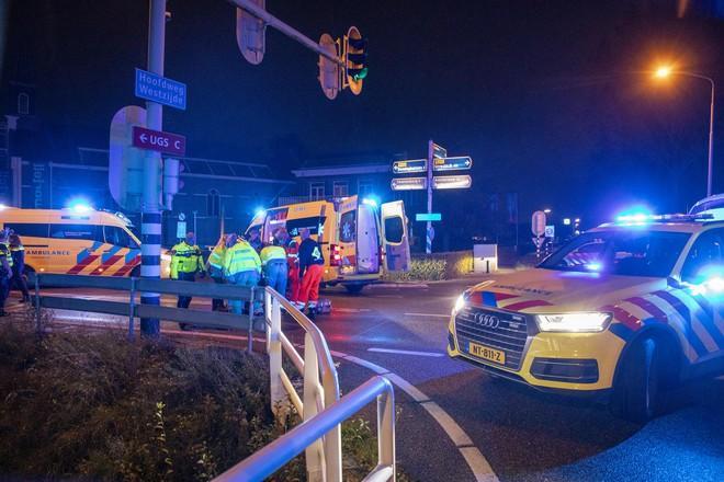 Auto aangetroffen die vermoedelijk betrokken was bij ongeval in Lijnden, scooterrijder (17) raakte daarbij zwaargewond