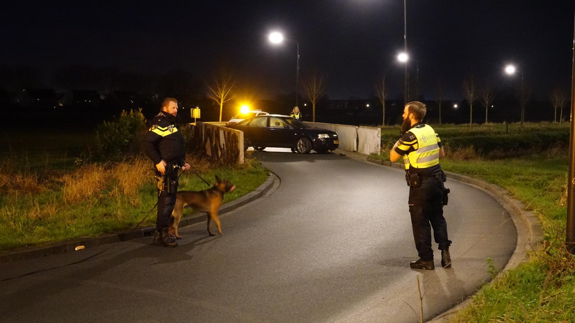 Automobilist vlucht na ongeval in Zwaag maar wordt gevonden door politiehond