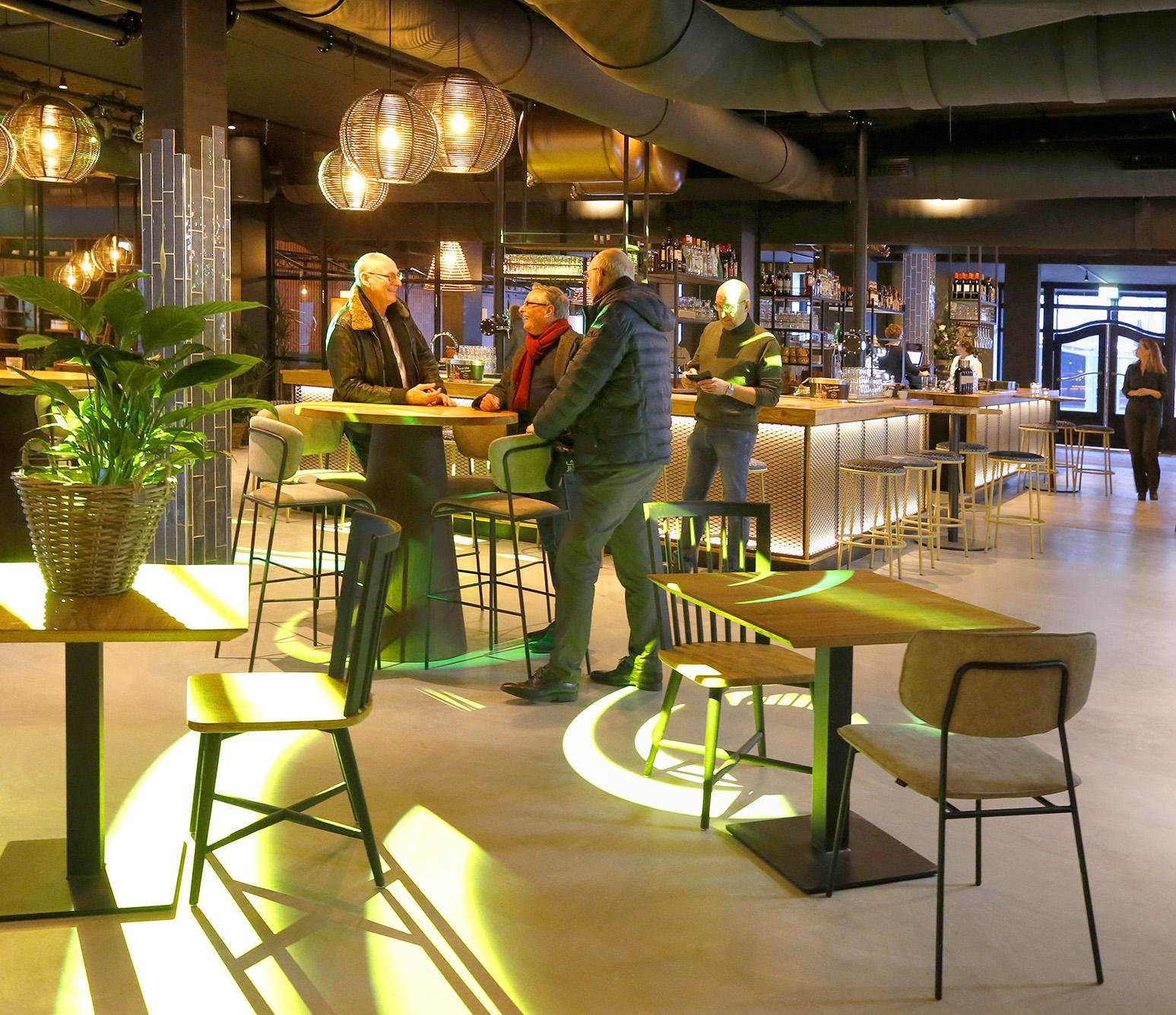 Schuldeiser OT Design heeft spullen terug uit restaurant van Hotel Marktstad; Schildersbedrijf Jac Vink kreeg tegemoetkoming 'uit coulance' van nieuwe hoteleigenaar