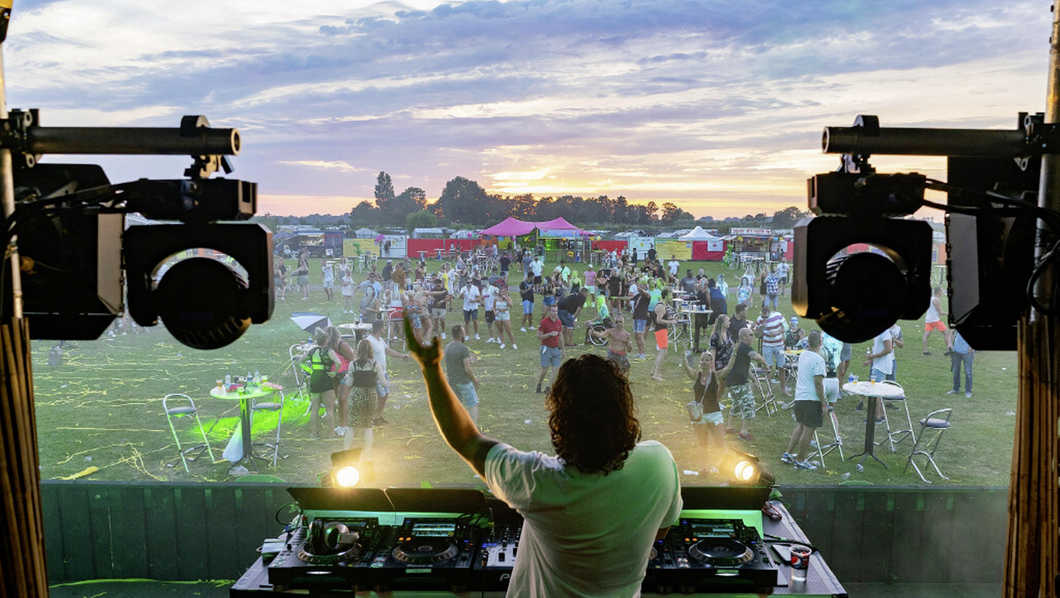 Vierdaags dance-evenement Finally Fiësta wacht op fiat ministerie. 'Pinksterweekend niet haalbaar meer. We hopen op juni'