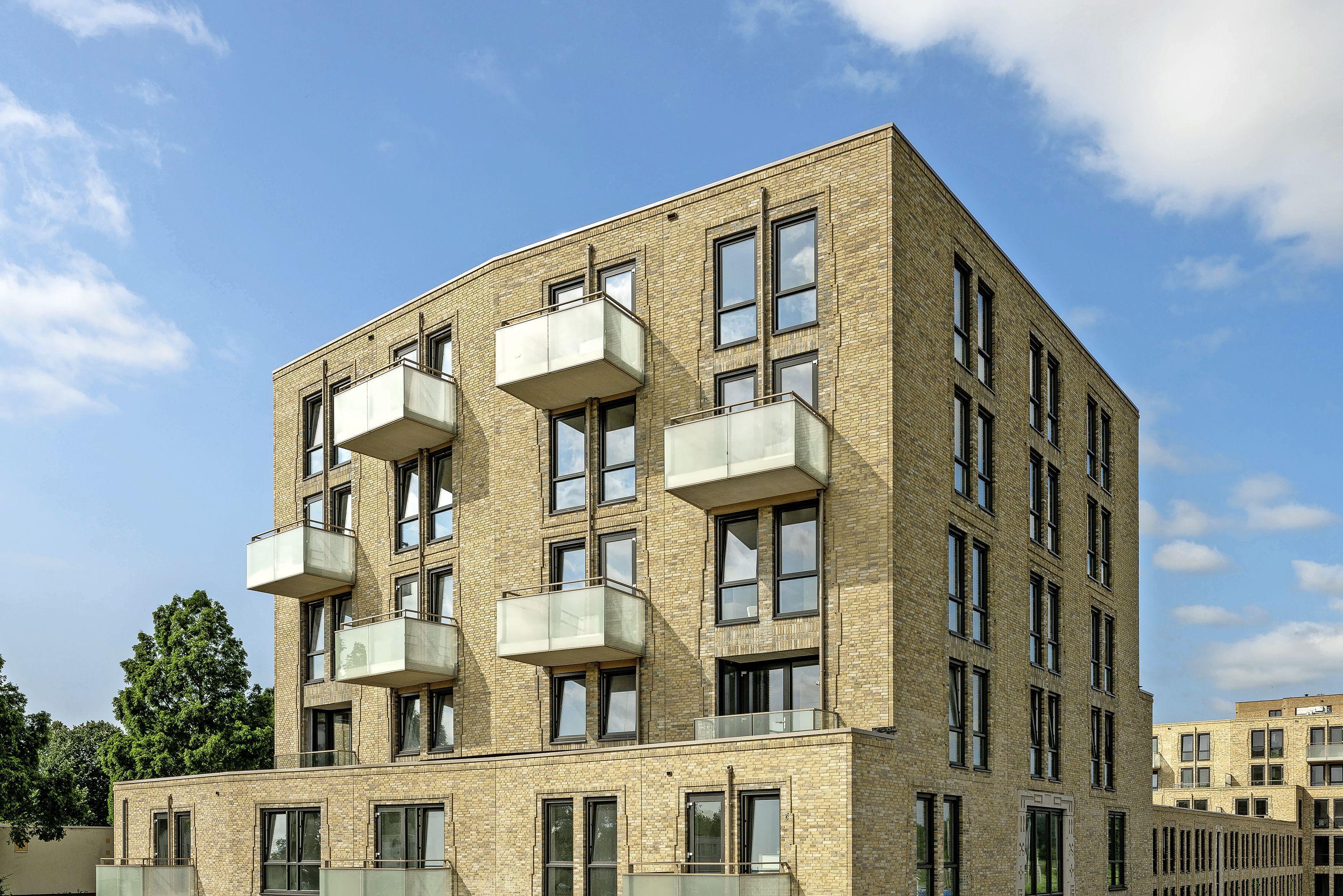 Intermaris gaat op korte termijn 69 nieuwe appartementen in Hoorn verhuren voor mensen met iets meer geld. Prijs vanaf 870 euro.