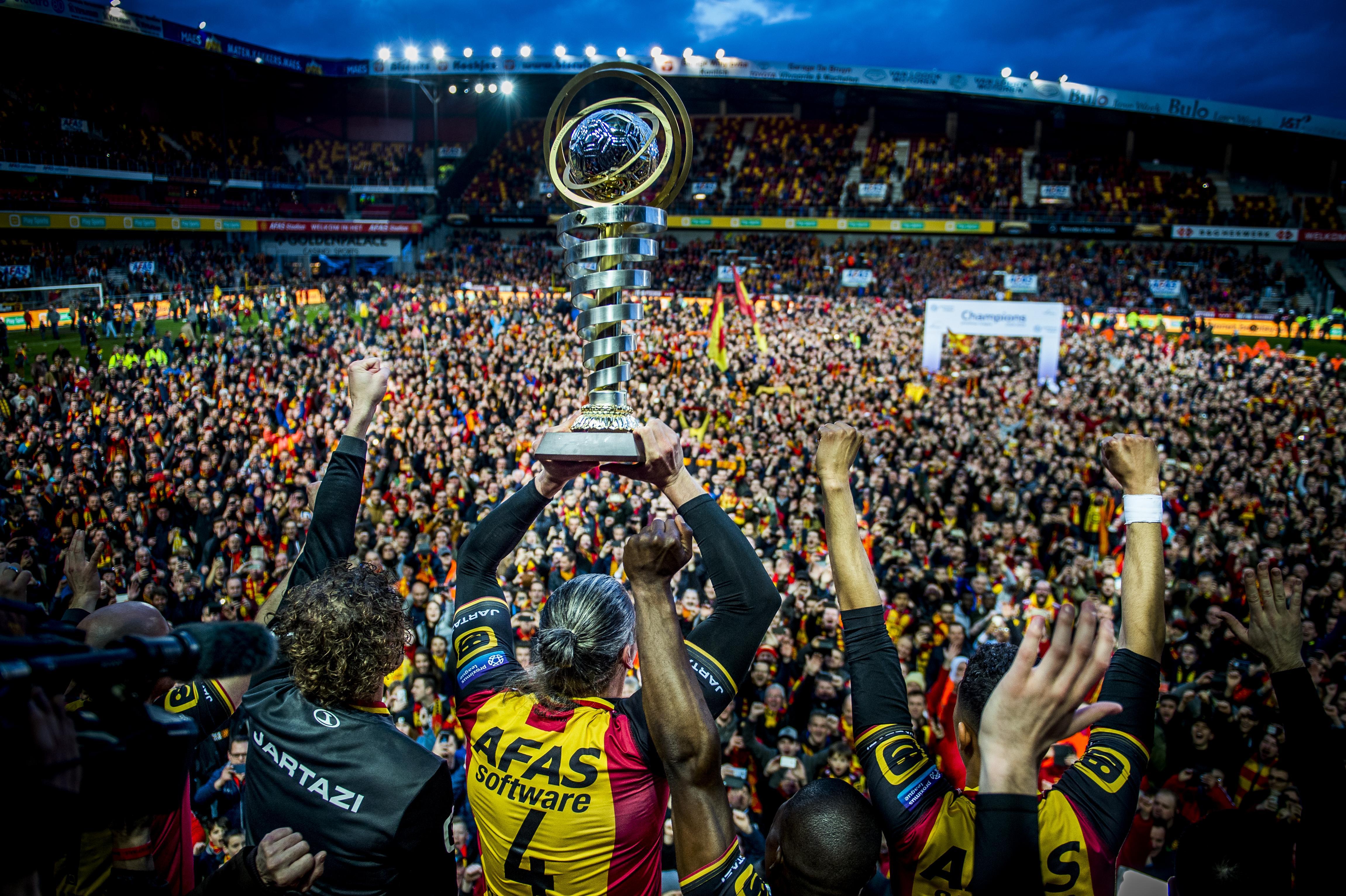 Journalist en fan over bizar jaar KV Mechelen: 'Op de rand van Europa én amateurvoetbal' [video]