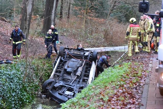 Twee doden bij eenzijdig ongeval op Rijksstraatweg in Wassenaar [video]