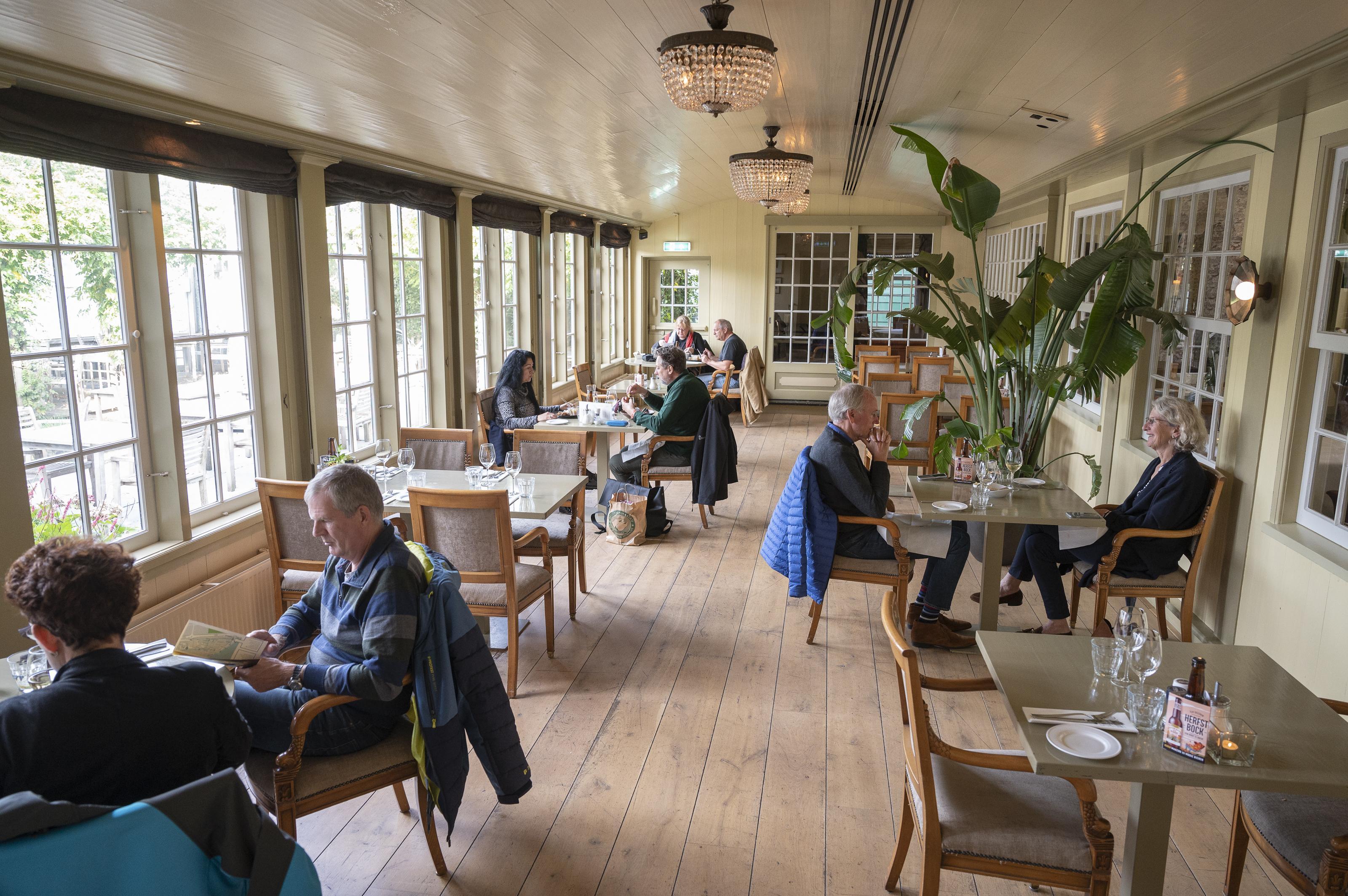 'Hopelijk is het restaurant met kerst weer open'. D' Swarte Walvis in Zaandam gaat weer bezorgen
