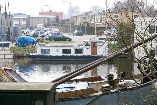 Gemeente Alkmaar koopt een woonboot. Het is een strategische aankoop, als er ooit toch nog een Bestevaerbrug moet komen