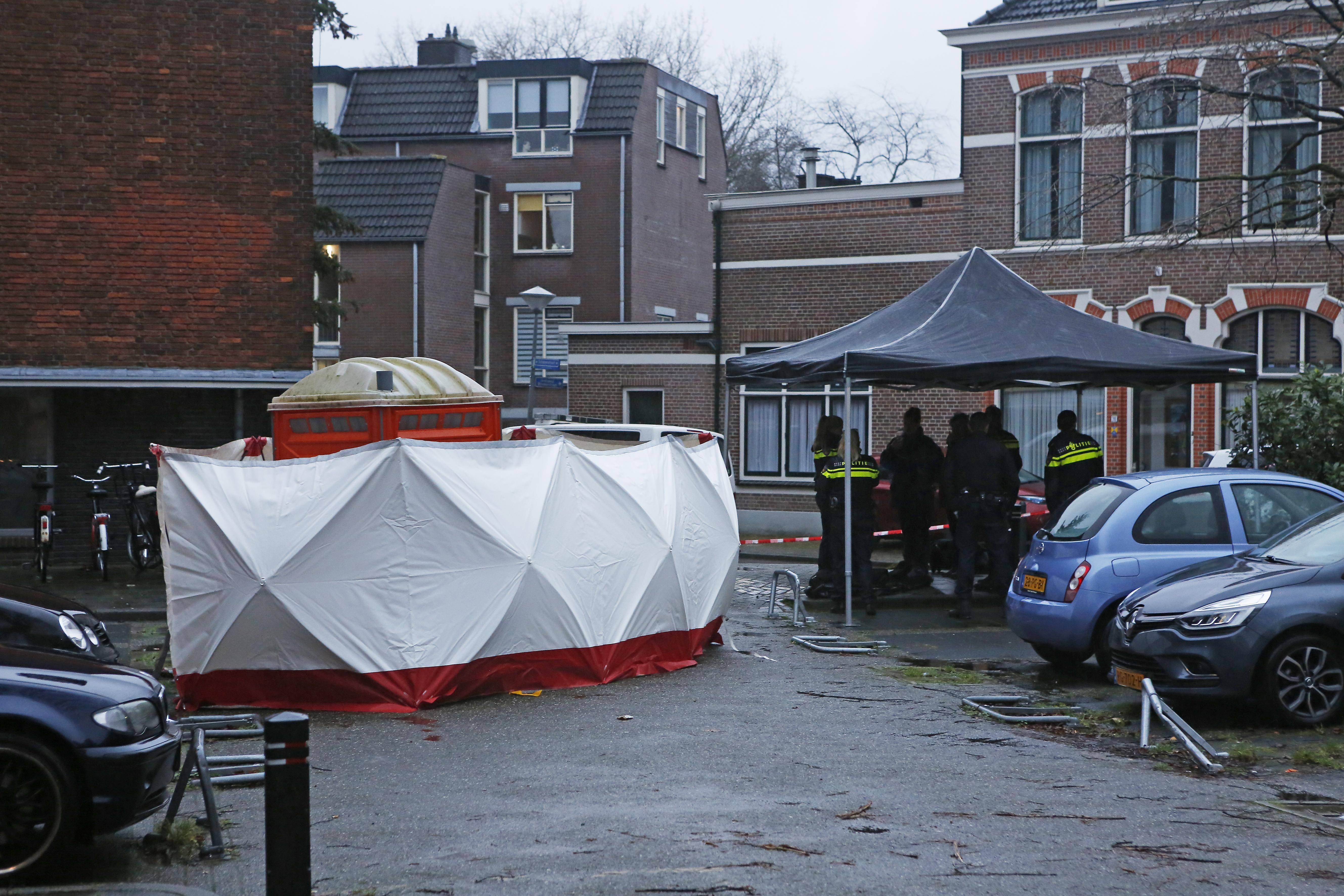Lichaam aangetroffen in mobiel toilet op Hilversums parkeerterrein