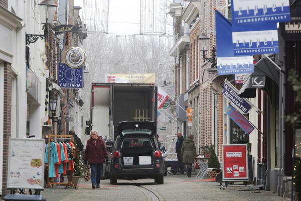 Debat in Weesp over lege winkels in de binnenstad