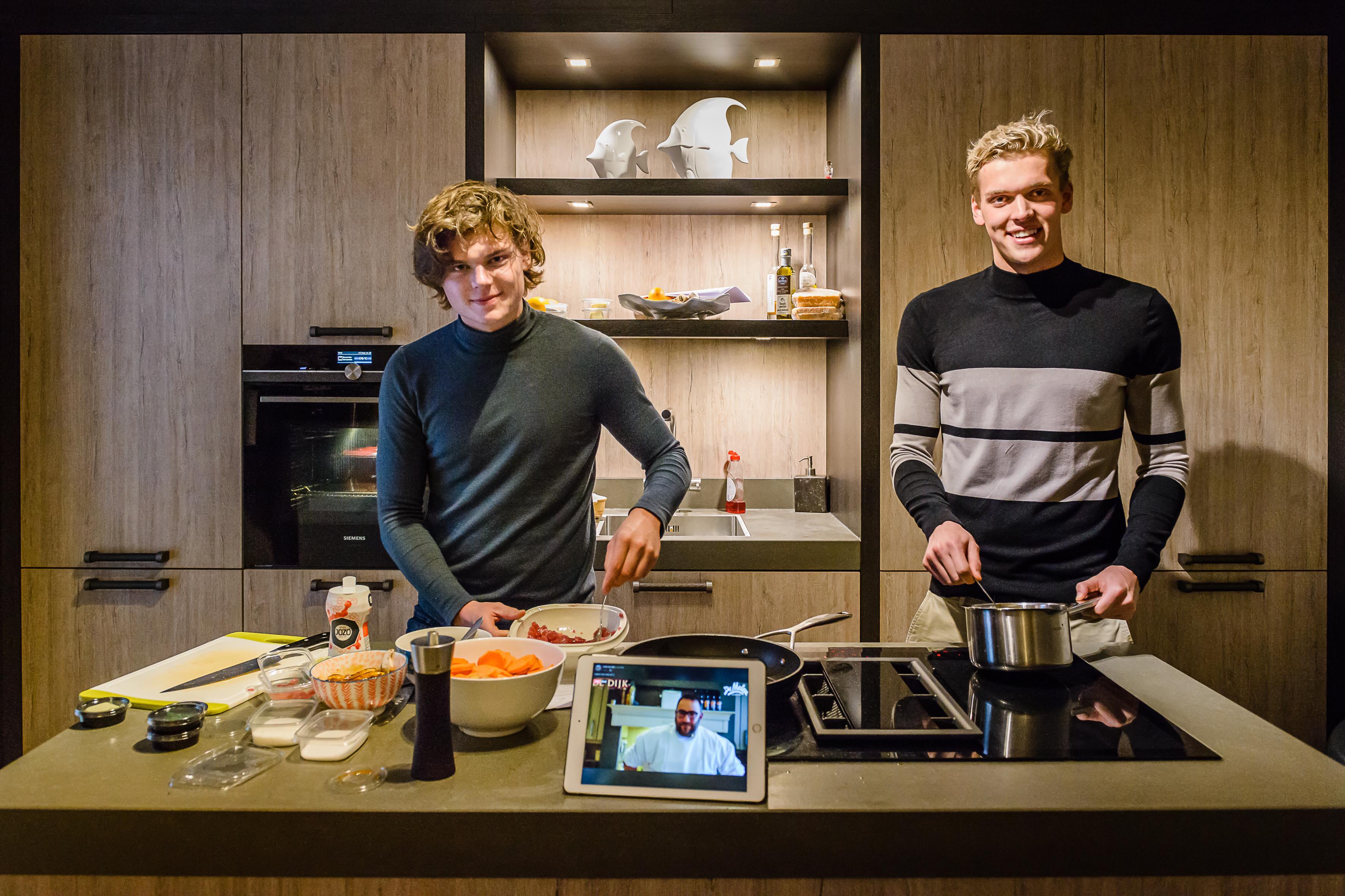Thuiskokkerellen met 'sterrenkok' Niels Storck van Café de Dijk op je iPad