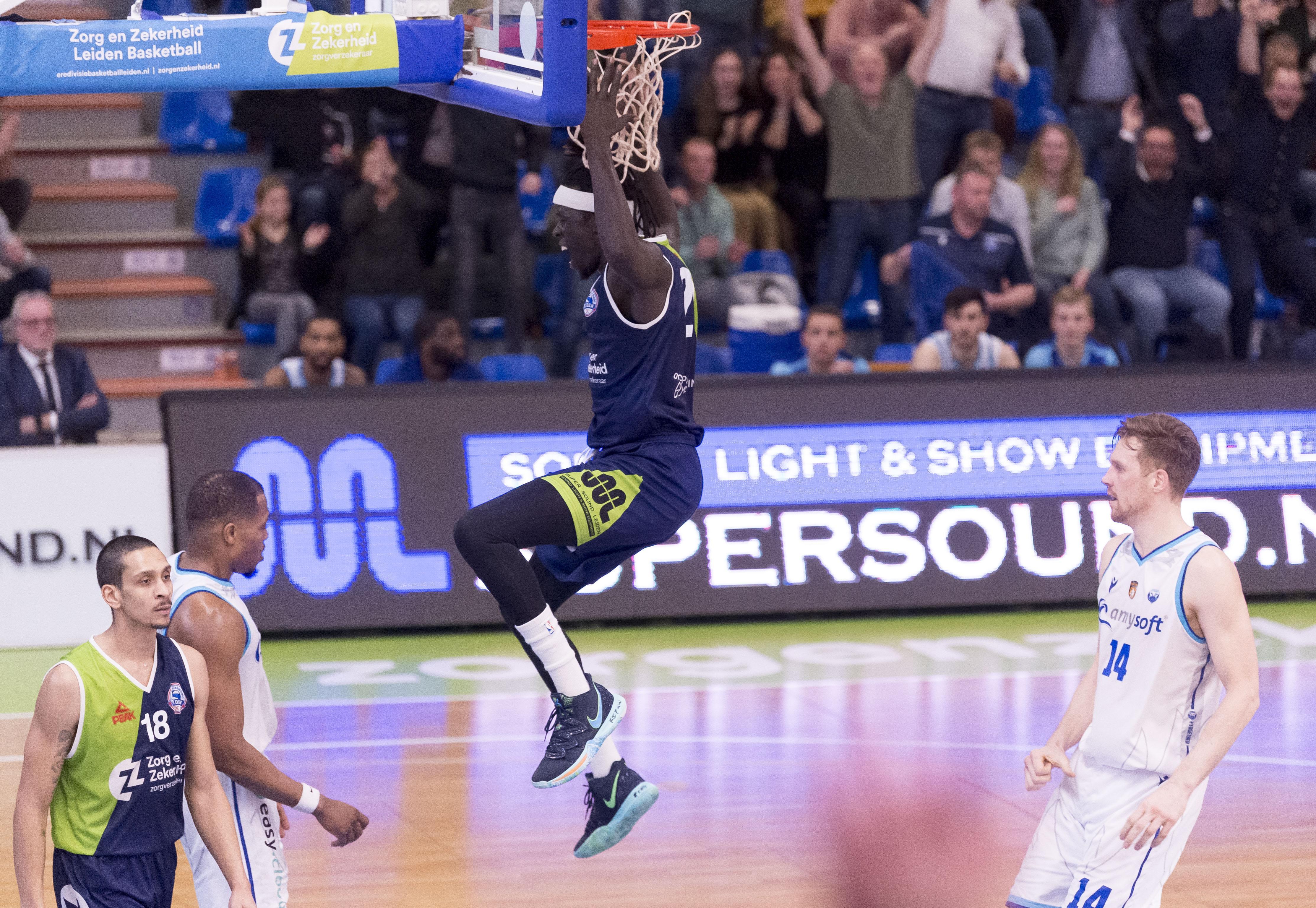 Voorzitter ZZ Leiden luidt de noodklok nu basketbal stilligt: 'Voor de spelers is dit een rampscenario. Die moeten in shape blijven maar zullen zich afvragen waar ze het allemaal voor doen'