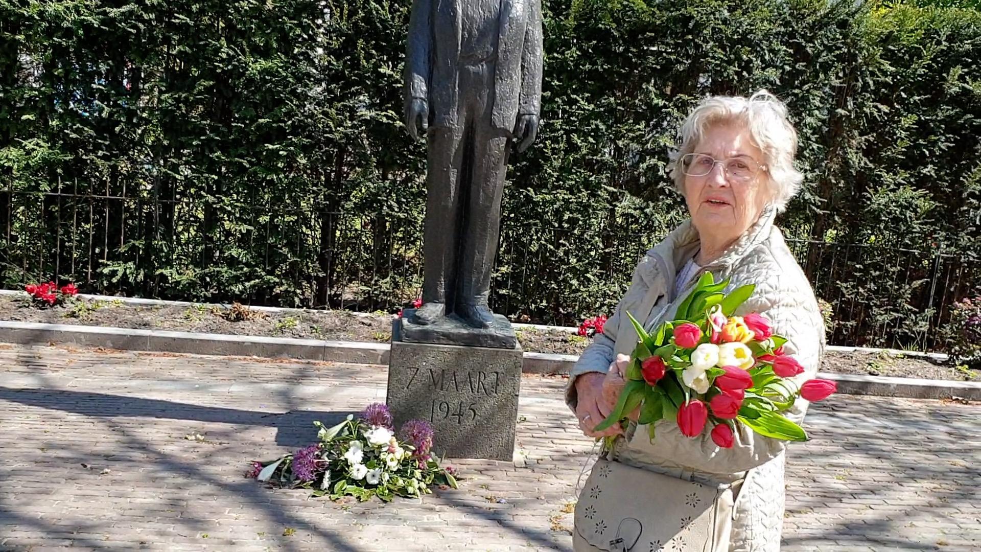 Vriendinnetjes die getuige waren van executie Haarlemse Dreef vinden elkaar na bijna 70 jaar weer via krant