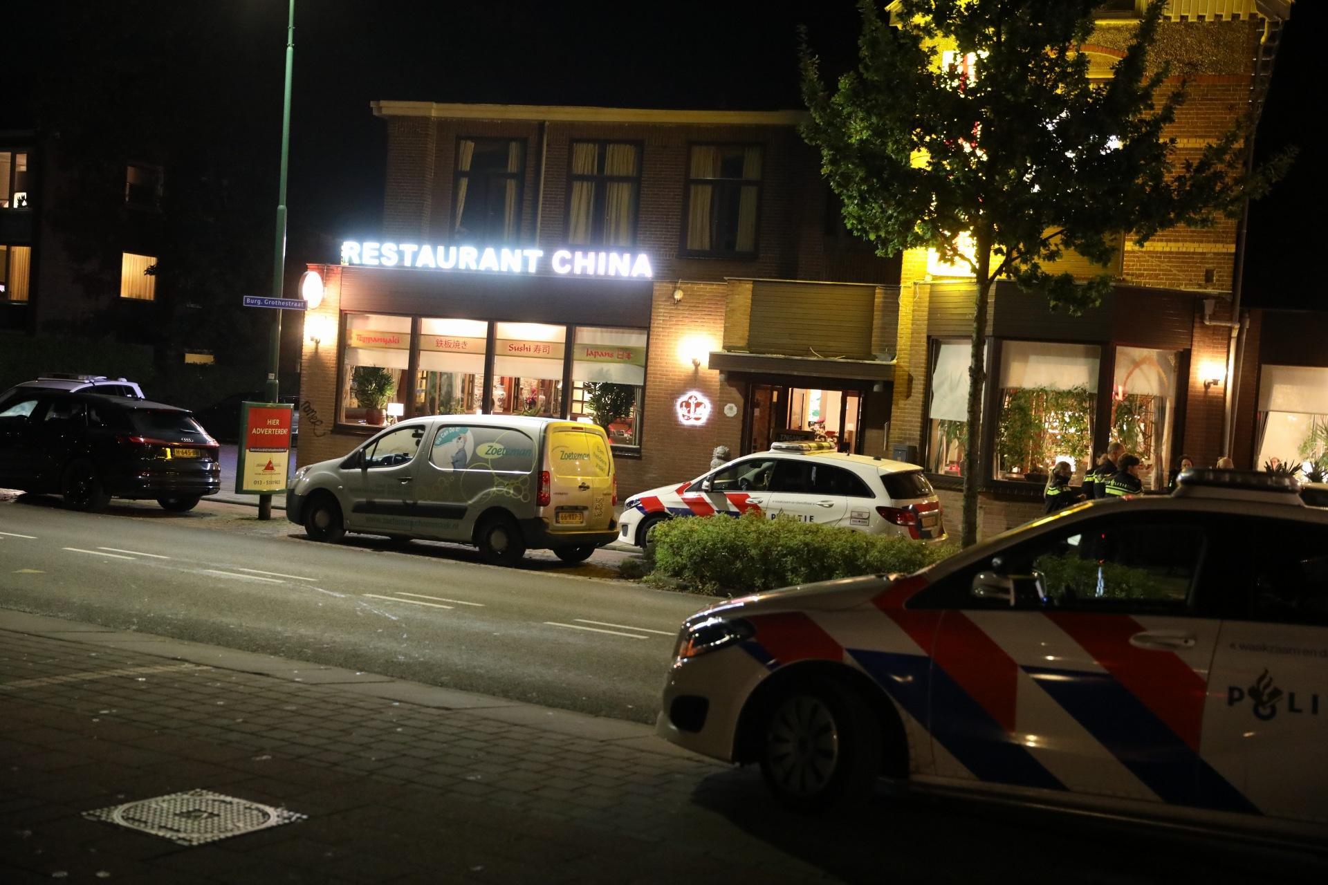 Inbrekers proberen op brutale wijze restaurant in Soest binnen te komen