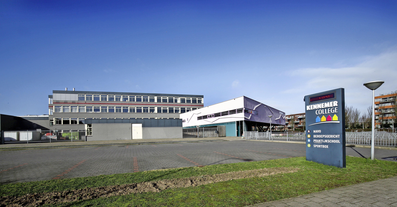 Middelbaar onderwijs in de IJmond worstelt met heropening. Welk scenario wordt het? 'We zoeken al naar extra ruimte in Kennemer Theater in Beverwijk'