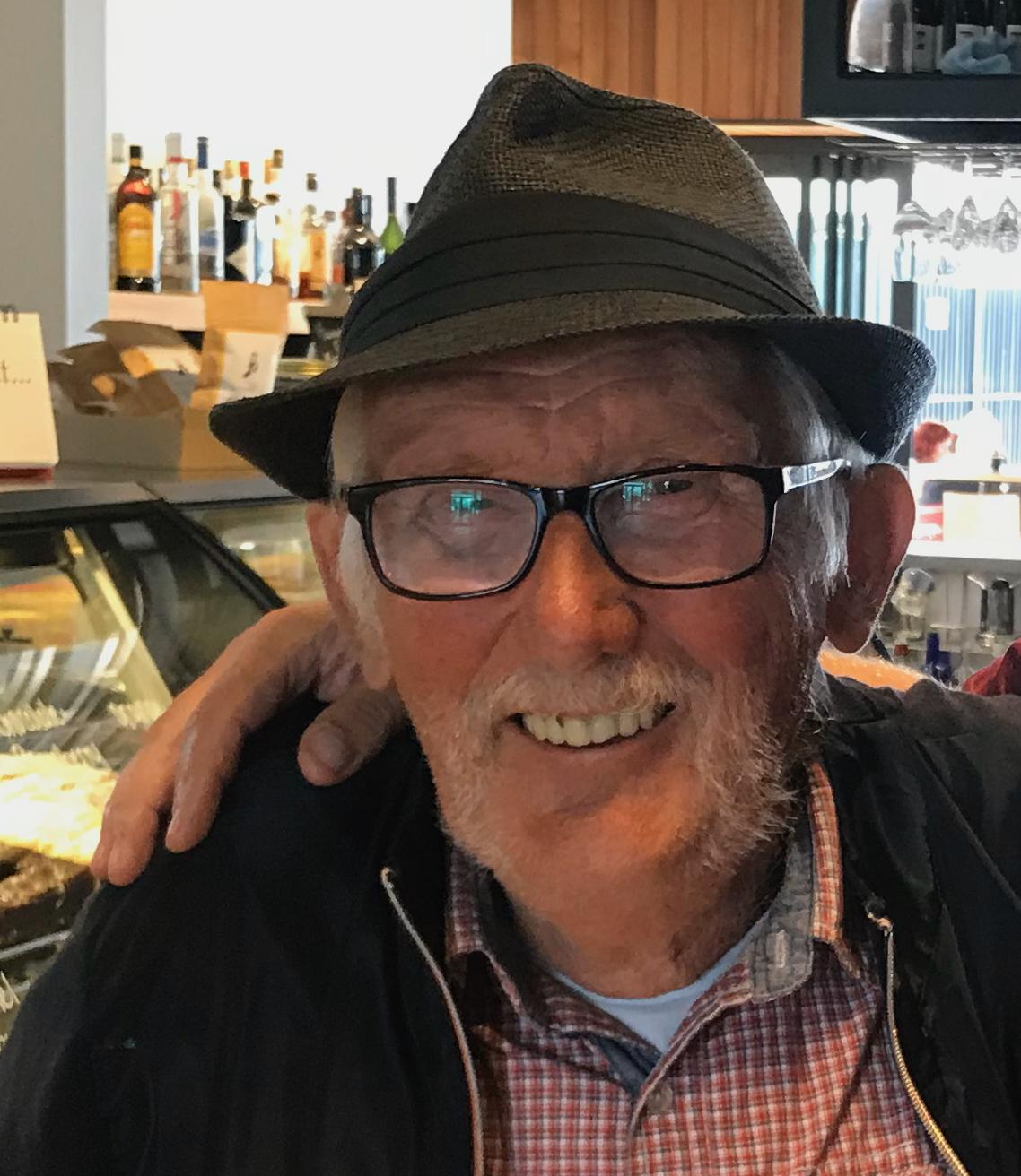 Paul Wezenbeek (1939-2020) van De Bataaf altijd scherp als jurylid: 'Letten we even op, er komt een premiesprint aan'