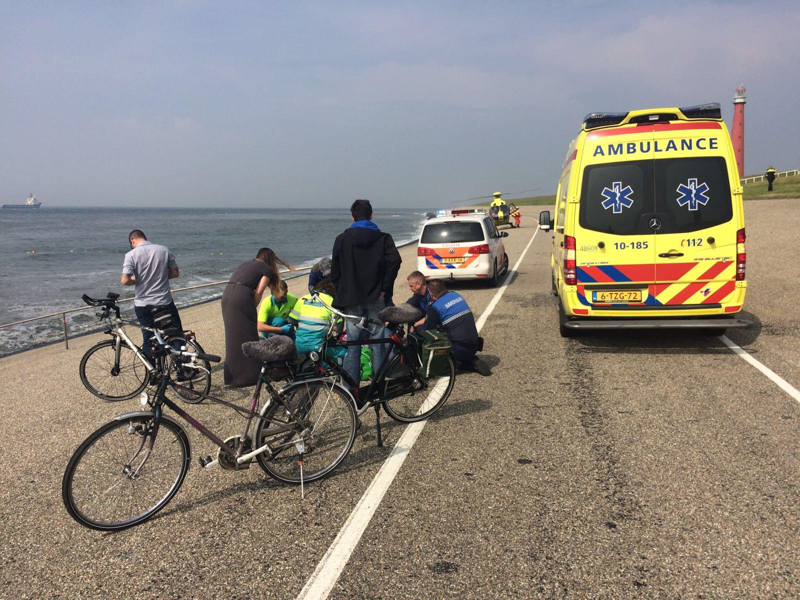 Fietsster ten val op Zeedijk Huisduinen