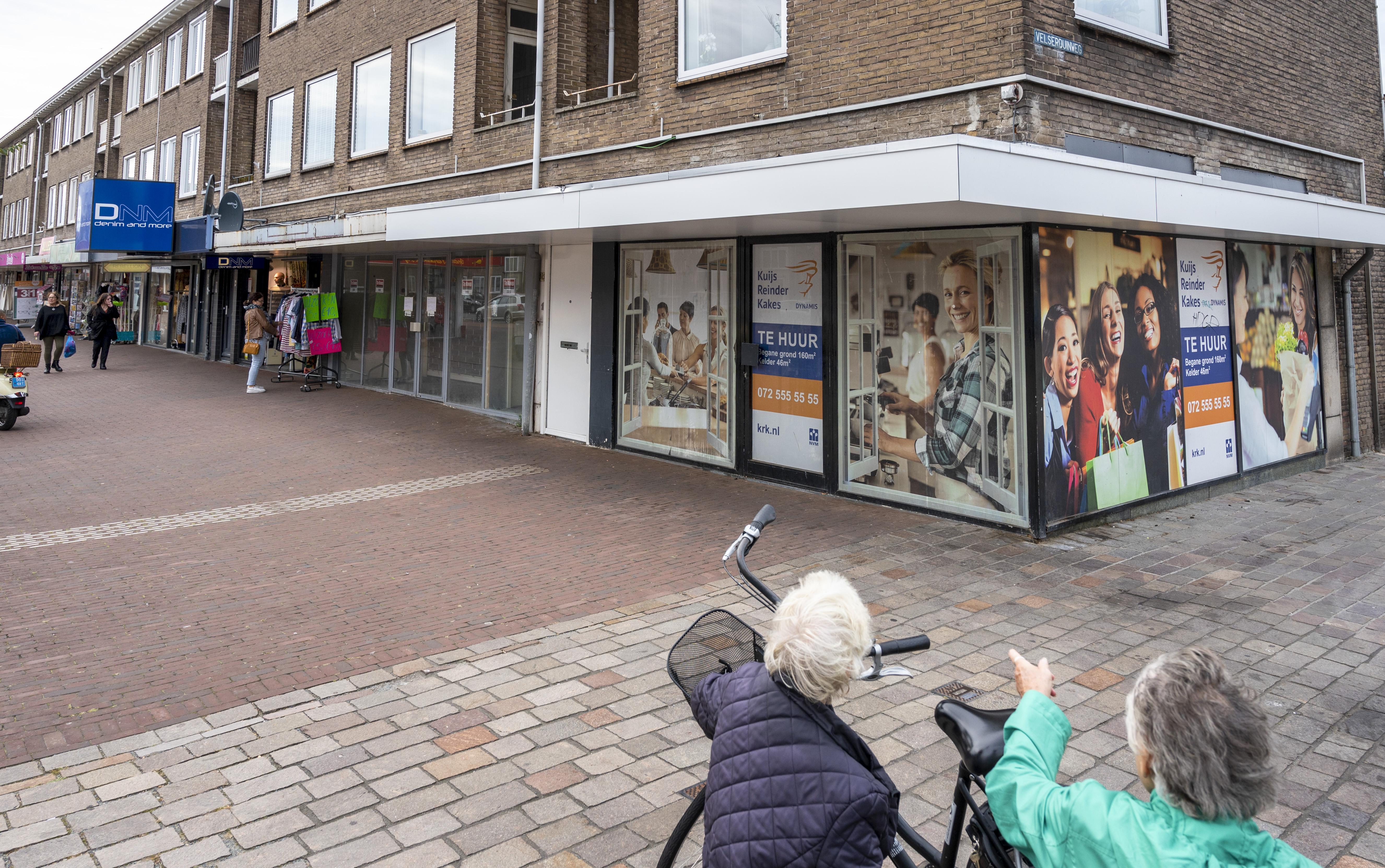 Dagjesmensen blijven weg in winkelgebieden IJmond: kledingwinkels hebben de hardste klappen gehad