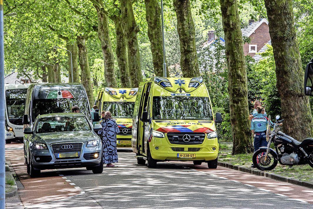 Twee gewonden bij aanrijding in Badhoevedorp; politie doet onderzoek