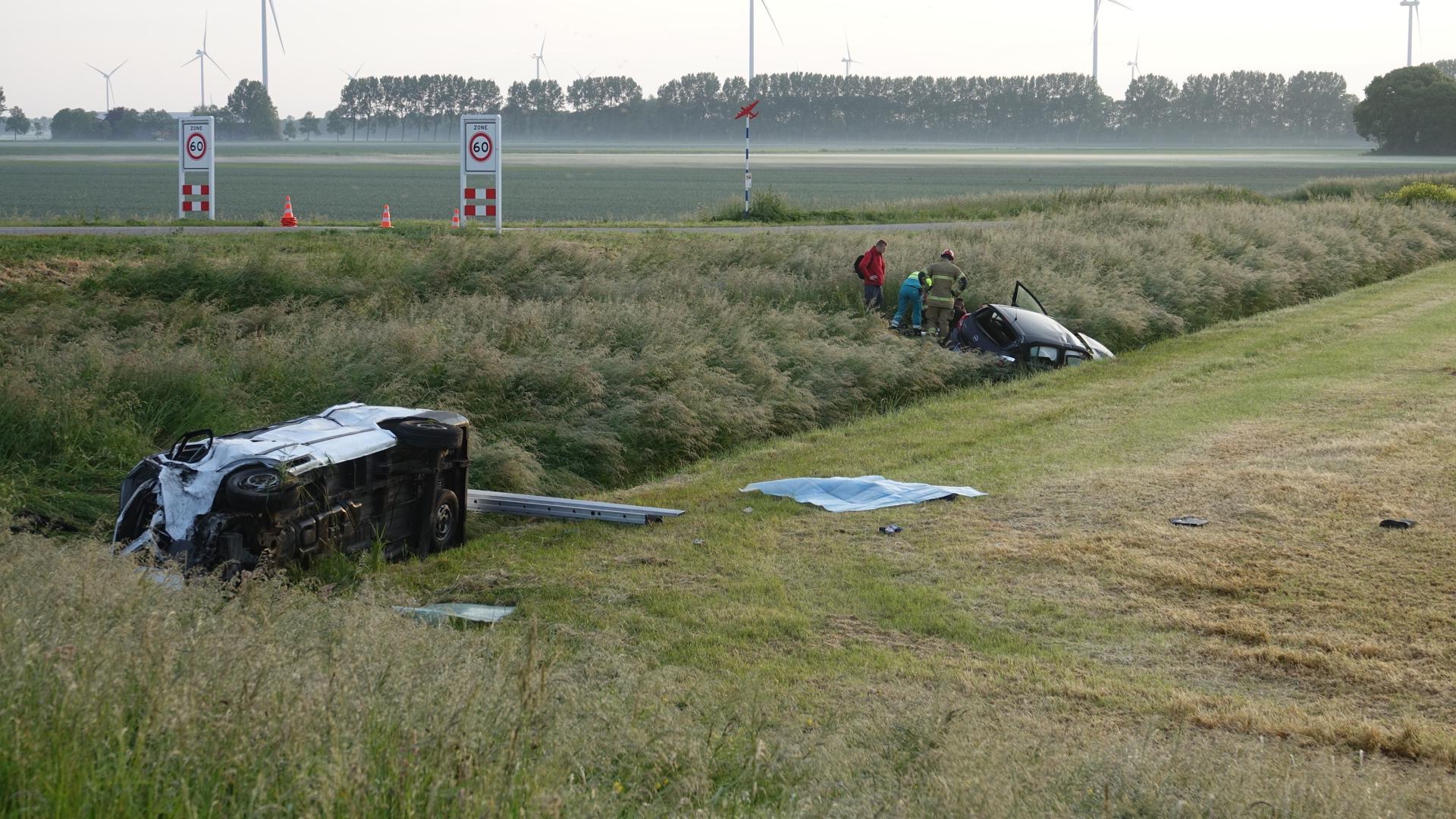 Negen mannen in een busje bij dodelijk ongeval Middenmeer, kan dat wel met de coronaregels? 'Dit is geen reclame voor onze branche'