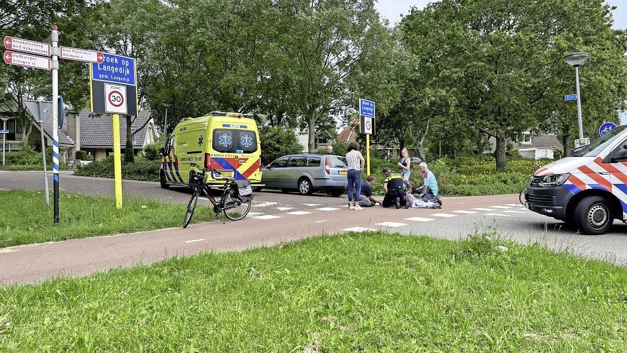 Vrouw raakt gewond bij aanrijding met auto in Broek op Langedijk