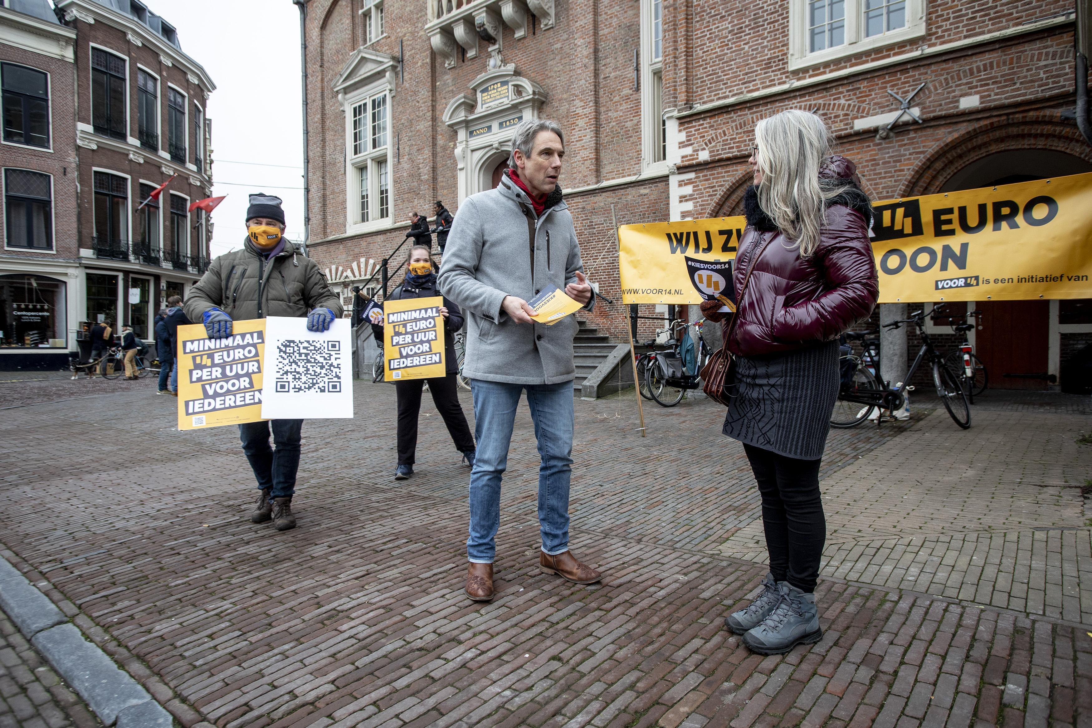 FNV wijkt niet voor vrieskou en corona, pleidooi voor hoger minimumuurloon