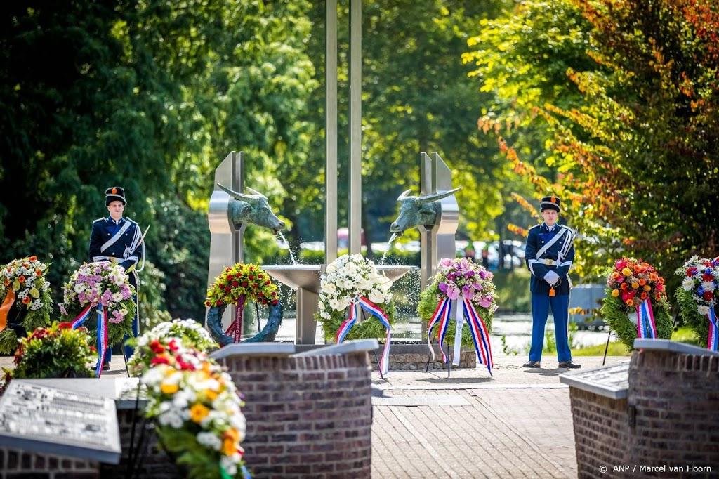 Sobere herdenking bij Nationaal Indië Monument in Roermond