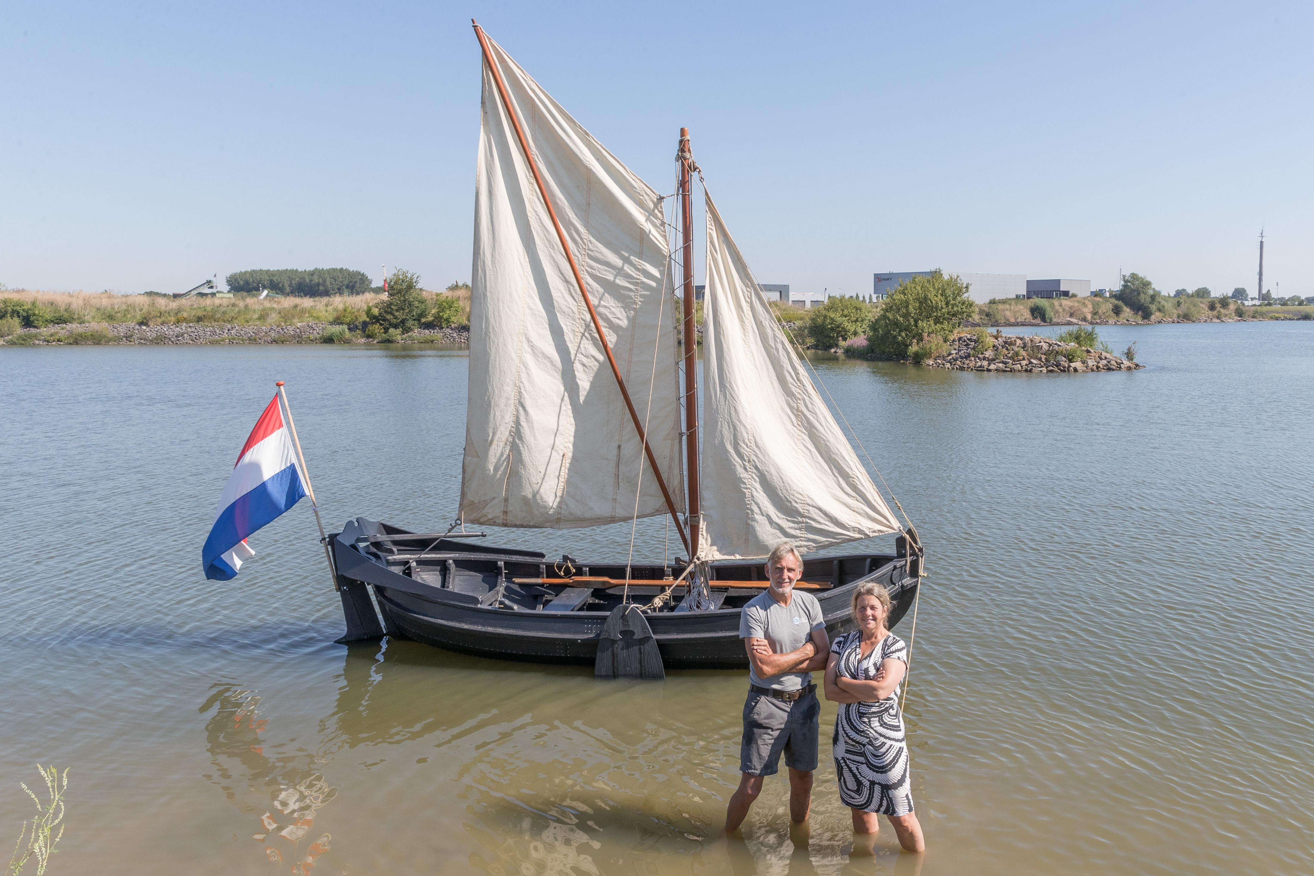Hoornse werkboot van afvalplastic klaar voor 'handelsmissie' naar Amsterdam